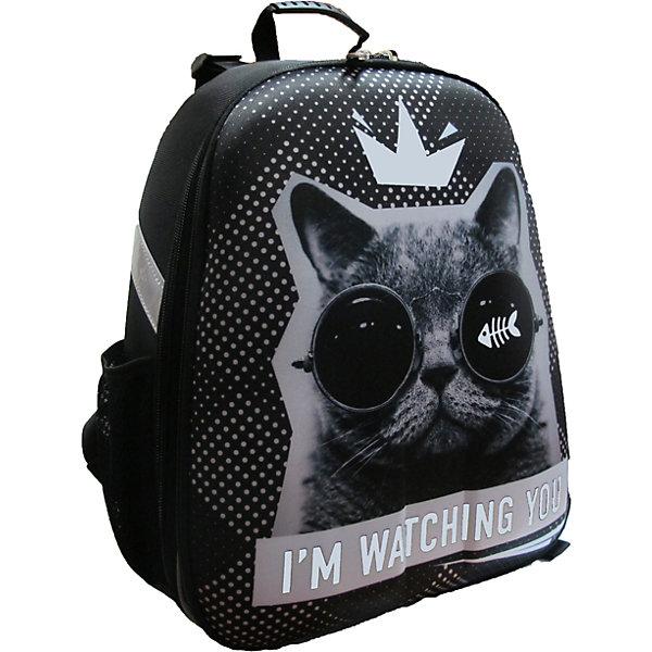 Рюкзак школьный каркасный Кот в очкахШкольные рюкзаки<br>Характеристики:<br><br>• размер: 37х31,5х17 см.;<br>• состав: нейлон, полиэстер;<br>• вес: 900 г.;<br>• особенности: светоотражающие знаки;<br>• для детей в возрасте: от 6 лет;<br>• страна производитель: Китай.<br><br>Этот вместительный рюкзак, выполненный в минималистичном стиле от бренда CENTRIUM (Центриум) отлично подойдёт для школы и внеклассных занятий. Рюкзак оснащён обширным отделением на молнии, в которое помещаются книги и тетради формата А4. Внутри расположены дополнительные отделения-карманы. По бокам находятся два сетчатых кармана на резинках для мелочей или бутылочки воды.<br><br>Жёсткая ортопедическая спинка из однородного материала приятна в использовании. Широкие и регулируемые лямки способствуют правильному распределению нагрузки на спину. С помощью качественно прошитой ручки рюкзак можно носить в руке или вешать на крючок. Благодаря своему каркасу, рюкзак сохраняет свою форму и в нём легче найти нужный предмет или книгу.<br><br>Рюкзак изготовлен в соответствии с требованиями безопасности детей в тёмное время суток и оснащён деталями со светоотражающими частицами спереди и по бокам.<br><br>Каркасный рюкзак «Кот в очках» можно купить в нашем интернет-магазине.<br>Ширина мм: 170; Глубина мм: 315; Высота мм: 370; Вес г: 900; Возраст от месяцев: 72; Возраст до месяцев: 2147483647; Пол: Унисекс; Возраст: Детский; SKU: 6842150;