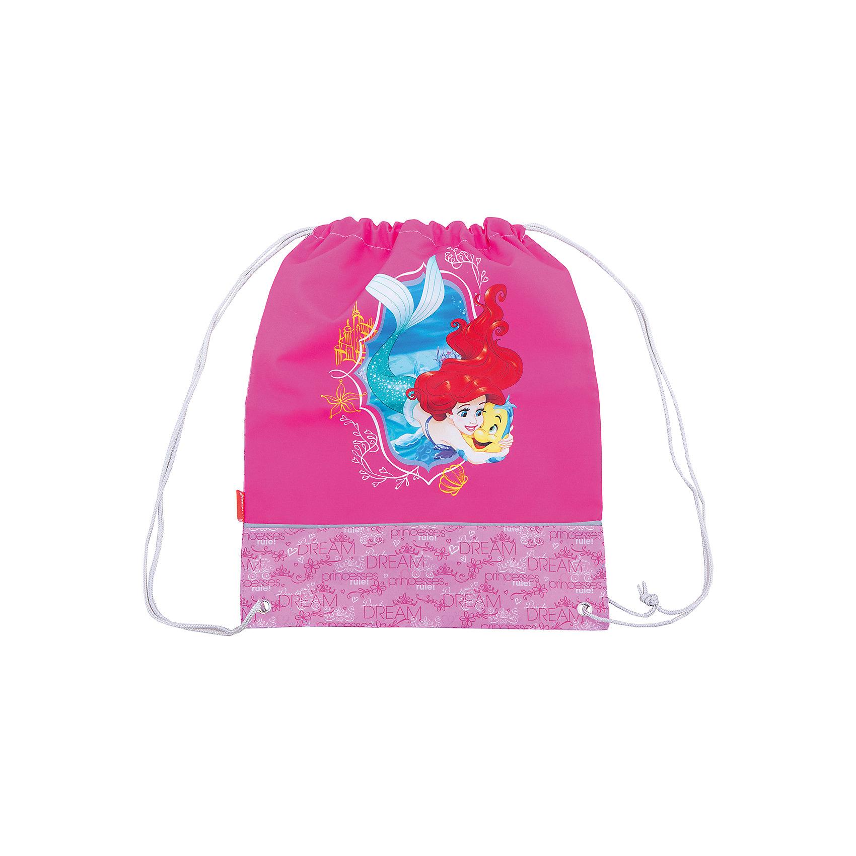 Сумка для сменной обуви Принцессы Disney Королевский балМешки для обуви<br>Характеристики товара:<br><br>• серия: Принцессы Disney Королевский бал<br>• материал: полиэстер<br>• размер: 44х35х2 см<br>• страна изготовитель: Китай<br>• страна бренда: Германия<br><br>Мешок для обуви ErichKrause позволяет школьнику носить с собой сменную обувь – в школу или на секции. Мешок для обуви оснащен шнурком для стягивания. <br><br>Erich Krause Сумка для сменной обуви Принцессы Disney Королевский бал можно купить в нашем интернет-магазине.<br><br>Ширина мм: 440<br>Глубина мм: 350<br>Высота мм: 10<br>Вес г: 90<br>Возраст от месяцев: 72<br>Возраст до месяцев: 96<br>Пол: Женский<br>Возраст: Детский<br>SKU: 6842732