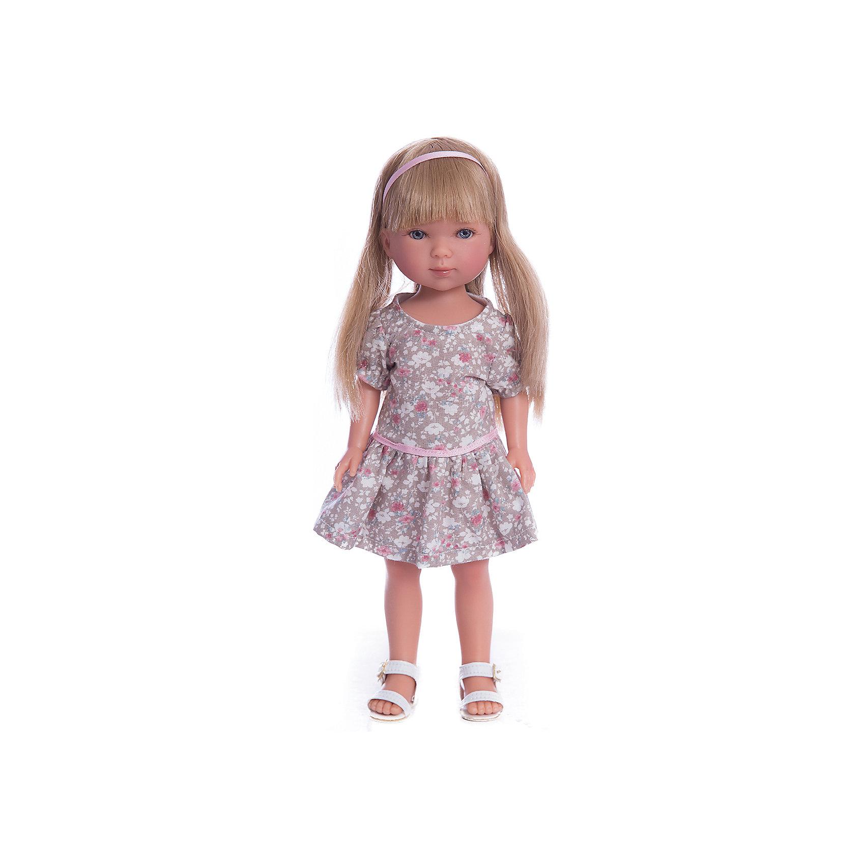 Кукла Карлотта, блондинка с челкой, Лето Кантри, Vestida de AzulКлассические куклы<br>Характеристики товара:<br><br>• возраст: от 3 лет;<br>• материал: винил, текстиль;<br>• в комплекте: кукла, платье;<br>• высота куклы: 28 см;<br>• размер упаковки: 34х15х9 см;<br>• вес упаковки: 355 гр.;<br>• страна производитель: Испания.<br><br>Кукла Карлотта блондинка с челкой «Лето Кантри» Vestida de Azul одета в платье с цветочным принтом и белые босоножки. У Карлотты милое личико с большими живыми глазками, щечками с легким румянцем. Густые светлые волосы с челкой очень похожи на натуральные. Девочка сможет расчесывать их, укладывать, заплетать, придумывая кукле разнообразные прически.<br><br>Куклу Карлотту блондинка с челкой «Лето Кантри» Vestida de Azul можно приобрести в нашем интернет-магазине.<br><br>Ширина мм: 195<br>Глубина мм: 95<br>Высота мм: 350<br>Вес г: 380<br>Возраст от месяцев: 36<br>Возраст до месяцев: 2147483647<br>Пол: Женский<br>Возраст: Детский<br>SKU: 6844334