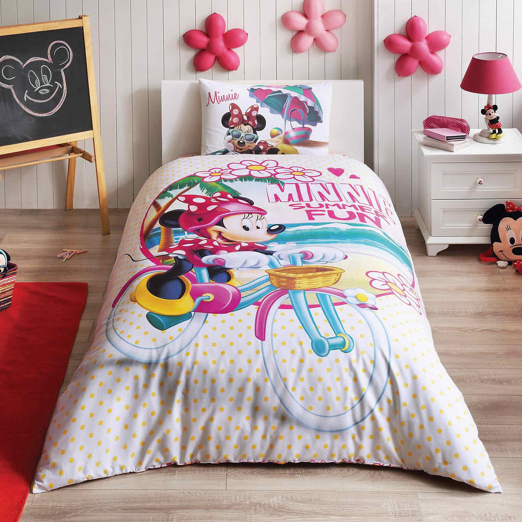 Постельное белье 3 пред. Minnie Summer, Disney/Ranforce, TACДетское постельное бельё<br>Характеристики товара: <br><br>• пододеяльник (160х220см), наволочка (50х70см), простынь (100х200см)<br>• материал: ранфорс (100% хлопок);<br>• цвет: белый;<br>• страна бренда: Турция;<br>• страна производитель: Турция.<br><br>Это постельное бельё от турецкого бренда TAC (ТАЧ) отлично подойдёт маленькой девочке, мечтающей о собственном волшебном мире. Несмотря на плотность ткани, она состоит из мельчайших волокон, что придаёт мягкость и воздушность изделию. Все материалы, которые входят в состав этого комплекта, гипоаллергенны и не вызывают неприятных ощущений. Это бельё не боится воды, так как пропускает через себя около 20% влаги и выводит наружу, поэтому её очень легко сушить. Кроме того, контроль влаги поддерживает температурный баланс тела. Благодаря специальному составу материал не электризуется и способствует улучшению сна ребёнка.<br><br>Такой комплект очень устойчив к частым стиркам, его рекомендуется стирать обычным детским мылом без отдушек.<br> Сказочный мир с персонажем «Мини Маус» в главной роли будет всегда создавать уют и радовать ребенка.<br><br>Постельное белье Minnie Summer (Минни Самер) можно купить в нашем интернет-магазине.<br><br>Ширина мм: 290<br>Глубина мм: 70<br>Высота мм: 390<br>Вес г: 1100<br>Возраст от месяцев: 36<br>Возраст до месяцев: 144<br>Пол: Женский<br>Возраст: Детский<br>SKU: 6849240