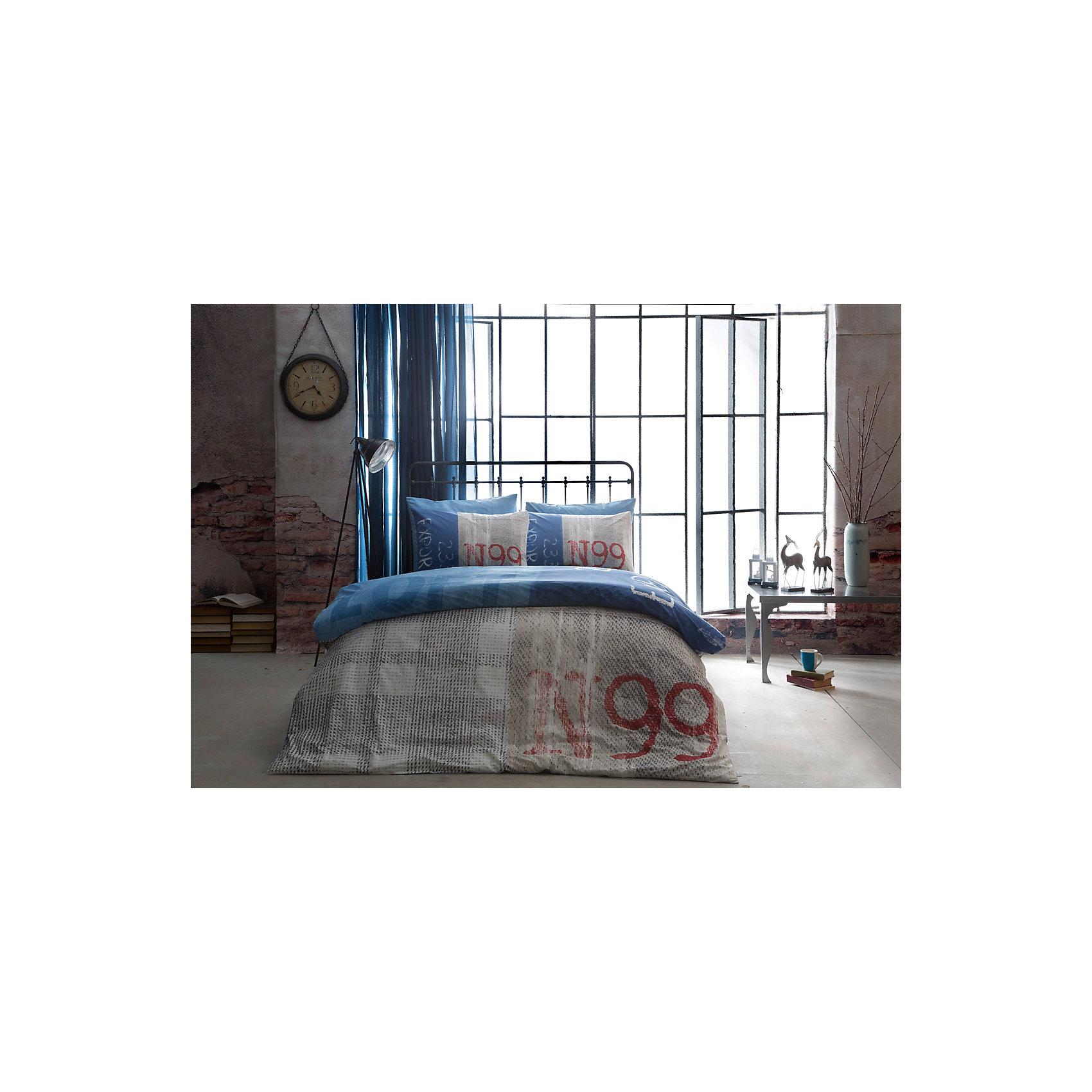 Постельное белье семейный Loft, Ranforce, TAC, синийДомашний текстиль<br>Характеристики товара: <br><br>• комплектация: пододеяльник 2шт.(160х220см), наволочка 2шт.(70х70см), простынь (240х260см);<br>• общий размер: семейный;<br>• материал: ранфорс (100% хлопок);<br>• цвет: синий;<br>• страна бренда: Турция;<br>• страна производитель: Турция.<br><br>Это постельное бельё от турецкого бренда TAC (ТАЧ) отлично впишется в интерьер. Несмотря на плотность ткани, она состоит из мельчайших волокон, что придаёт мягкость и воздушность изделию. Все материалы, которые входят в состав этого комплекта, гипоаллергенны и не вызывают неприятных ощущений. <br><br>Постельное бельё не боится воды, так как пропускает через себя около 20% влаги и выводит наружу, поэтому её очень легко сушить. Такие материалы не электризуются, а наоборот способствуют улучшению сна и хорошо пропускают воздух. <br><br>Такой комплект очень устойчив к частым стиркам, его рекомендуется стирать обычным порошком. Ткань отличается особой износоустойчивостью и прочностью.<br><br>Постельное белье Loft (Лофт) можно купить в нашем интернет-магазине.<br><br>Ширина мм: 270<br>Глубина мм: 80<br>Высота мм: 370<br>Вес г: 3500<br>Возраст от месяцев: 216<br>Возраст до месяцев: 1188<br>Пол: Унисекс<br>Возраст: Детский<br>SKU: 6849264