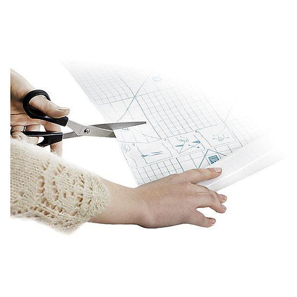 Panta Plast Обложка для книг в рулонеШкольные аксессуары<br>Характеристики товара:<br><br>• размер рулона: 33х150 см;<br>• возраст: от 6 лет;<br>• материал: полипропилен;<br>• размер упаковки: 33х3х 170 см;<br>• вес: 147 грамм.<br><br>Обложки предназначены для защиты книг от намокания, изнашивания и загрязнений. Упаковка в виде рулона особенно удобна - ребенок сможет отмерить необходимое количество обложек. Кроме того, такие обложки подойдут для книг любого размера.<br><br>Panta Plast (Панта Пласт) Обложку для книг в рулоне можно купить в нашем интернет-магазине.<br>Ширина мм: 1500; Глубина мм: 330; Высота мм: 10; Вес г: 147; Возраст от месяцев: 84; Возраст до месяцев: 156; Пол: Унисекс; Возраст: Детский; SKU: 6858980;