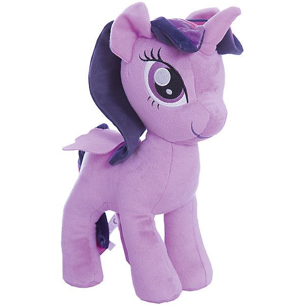 Мягкая игрушка My little Pony Плюшевые пони Твайлайт Спаркл (Искорка), 30 смМягкие игрушки из мультфильмов<br>Характеристики:<br><br>• возраст: от 3 лет;<br>• материал: текстиль;<br>• высота: 30 см;<br>• вес упаковки: 170 гр.;<br>• размер упаковки: 30х8х20 см;<br>• страна бренда: США.<br><br>Плюшевая игрушка пони из серии Hasbro My little Pony изображает очаровательную героиню мультфильма «Дружба – это чудо!». У пони большие глазки, яркая грива и хвостик. Все элементы надежно прошиты, игрушка очень приятна на ощупь и отлично сохраняет форму.<br><br>Собрав всех пони из коллекции мягких игрушек, можно устраивать сюжетные игры по мотивам мультфильма или украсить коллекцией детскую комнату. Сделано из безопасных материалов.<br><br>Игрушку «Плюшевые пони», B9817/C0113, My little Pony, Hasbro можно купить в нашем интернет-магазине.<br>Ширина мм: 89; Глубина мм: 203; Высота мм: 305; Вес г: 259; Возраст от месяцев: 36; Возраст до месяцев: 84; Пол: Женский; Возраст: Детский; SKU: 6861721;