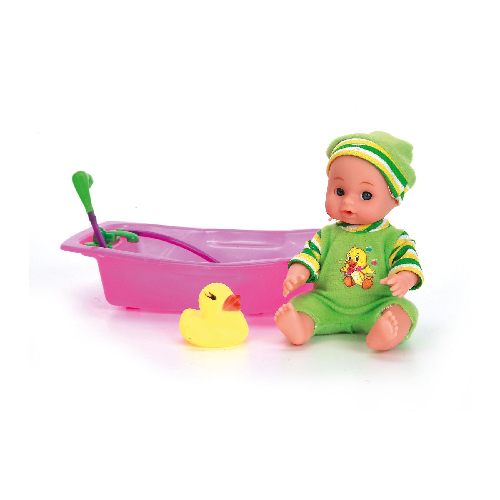 Пупс 15 см, 3 функции, в ванночке, с аксессуарами, КарапузИнтерактивные куклы<br>Игрушка выполнена в виде реалистичного малыша с выразительными голубыми глазками, пухлыми губками и вздернутым носиком. Пупс одет очень красиво: на нем теплый свитер, мягкие штанишки с белыми носочками, а на голове у него - мягкая шапочках той же цветовой гаммы, что и костюмчик. Игрушка умеет реалистично писать в горшок, если ее сначала напоить водичкой из бутылочки, предусмотренной в комплекте. У пупса подвижные ручки и ножки, поэтому ему можно придавать самые разнообразные позы в процессе игры. Тело игрушки полностью выполнено из пластика, что позволяет малышкам купать любимца в ванной, предусмотренной в комплекте, или брать его с собой во время купания.<br><br>Ширина мм: 56<br>Глубина мм: 85<br>Высота мм: 36<br>Вес г: 260<br>Возраст от месяцев: 36<br>Возраст до месяцев: 60<br>Пол: Женский<br>Возраст: Детский<br>SKU: 6863979