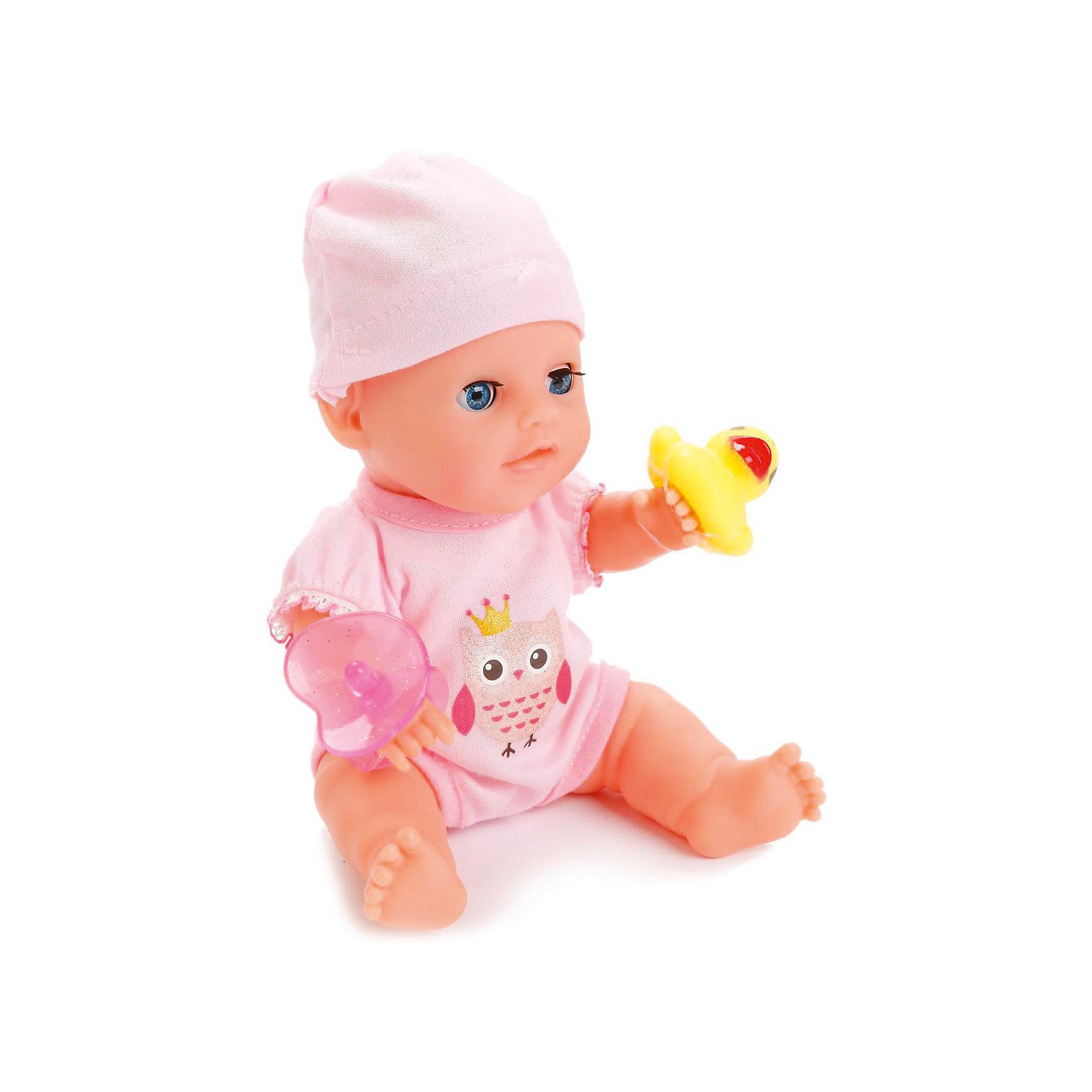 Пупс 20 см, 3 функции, в ванне, с аксессуарами, КарапузКуклы-пупсы<br>Игрушка выполнена в виде реалистичного малыша с выразительными голубыми глазками, пухлыми губками и вздернутым носиком. Пупс одет очень красиво: на нем теплый свитер, мягкие штанишки с белыми носочками, а на голове у него - мягкая шапочках той же цветовой гаммы, что и костюмчик. Игрушка умеет реалистично писать в горшок, если ее сначала напоить водичкой из бутылочки, предусмотренной в комплекте. У пупса подвижные ручки и ножки, поэтому ему можно придавать самые разнообразные позы в процессе игры. При засыпании пупс может закрывать глаза, что несомнено приведет малыша в восторг. Тело игрушки полностью выполнено из пластика, что позволяет малышкам купать любимца в ванной, предусмотренной в комплекте, или брать его с собой во время купания.<br><br>Ширина мм: 75<br>Глубина мм: 58<br>Высота мм: 35<br>Вес г: 580<br>Возраст от месяцев: 36<br>Возраст до месяцев: 60<br>Пол: Женский<br>Возраст: Детский<br>SKU: 6863983