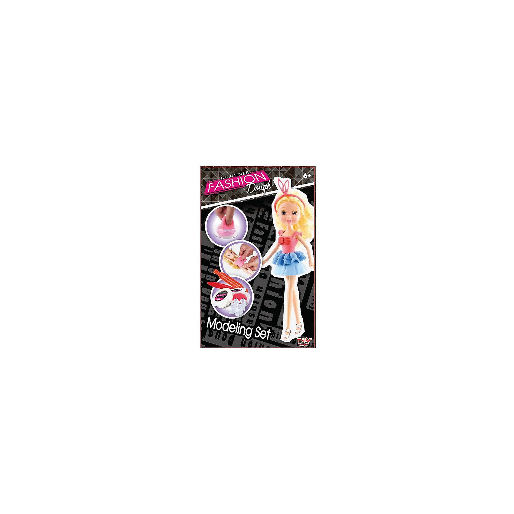 Набор для творчества с пластилином Fashion Dough и куклой Блондинка в голубой юбкеЛепка<br>Удивите маленькую мастерицу оригинальным набором для творчества от торговой марки Toy Target. В удобной упаковке ребенок найдет очаровательную куколку-блондинку, удобные инструменты для моделирования, пластилин, обувь, держатель для куклы и подробную инструкцию.  Каждой девочке будет очень интересен процесс создания стильных нарядов из легкого, мягкого и гладкого пластилина. Масса для лепки безопасна для здоровья, гипоаллергенна и не содержит глютена.  Занятия с набором подарят море положительных эмоций и поспособствуют развитию пространственного воображения, фантазии и художественного вкуса вашей малышки.  Рекомендованный возраст: от 6 лет.  Размер упаковки: 18,6х5,8х29,4 см.  В комплекте: кукла-модель; масса для моделирования – 2 шт.; инструменты для моделирования – 2 шт.; обувь для куклы; держатель для куклы; инструкция.<br><br>Ширина мм: 186<br>Глубина мм: 58<br>Высота мм: 294<br>Вес г: 330<br>Возраст от месяцев: 72<br>Возраст до месяцев: 144<br>Пол: Женский<br>Возраст: Детский<br>SKU: 6867055