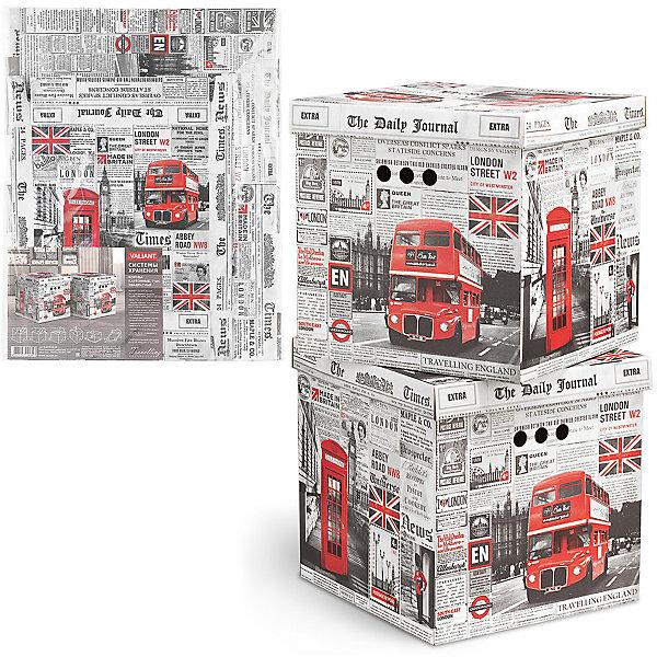 Короб для хранения TRAVELLING ENGLAND , 31.5*31.5*31.5 см, 2 шт., VALIANTКорзины для белья<br>Характеристики товара:<br><br>• возраст: от 3 лет;<br>• вес упаковки: 820 гр.;<br>• размер упаковки: 62х50х2 см.;<br>• количество коробов: 2шт.;<br>• размер короба: 31,5х31,5х31,5 см.;<br>• состав: микрогофрокартон 3х-слойный, 2мм;<br>• страна бренда:Великобритания;<br>• страна-производитель: Китай.<br><br>Короб для хранения «TRAVELLING ENGLAND» не только очень легкий и прочный короб для хранения бытовых мелочей, аксессуаров для рукоделия и других мелких предметов, но и к тому же он может выступать и в качестве красивого элемента декора интерьера вашей комнаты.<br><br>В комлект входят 2 короба оснащеннных крышкой и тремя отверстиями, которые позволяют удобно его выдвигать, поднимать и переносить. Короба являются самосборными, на упаковке имеется побробная инструкция по сборке.<br><br>Изделие выполненно из высокачественного материала безвредного для здоровья.<br><br>Короб для хранения «TRAVELLING ENGLAND» , 31,5х31,5х31,5 см., VALIANT (Валиант)  можно купить в нашем интернет-магазине.<br><br>Ширина мм: 620<br>Глубина мм: 20<br>Высота мм: 495<br>Вес г: 820<br>Возраст от месяцев: 36<br>Возраст до месяцев: 216<br>Пол: Унисекс<br>Возраст: Детский<br>SKU: 6868581