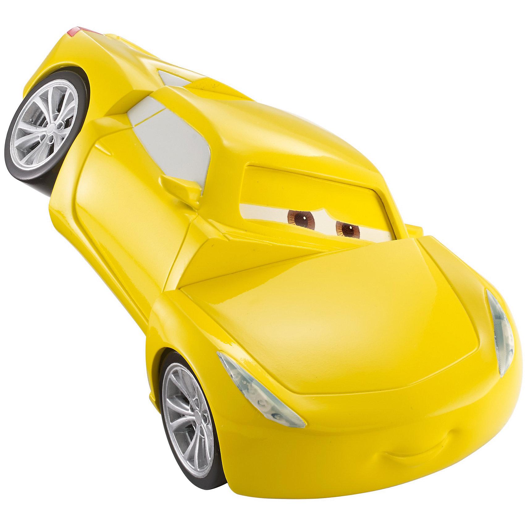 Вращающаяся Круз, ТачкиМашинки<br>Характеристики товара:<br><br>• возраст: от 3 лет;<br>• материал: пластик;<br>• в комплекте: машинка;<br>• размер упаковки: 19х21,5х10 см;<br>• вес упаковки: 249 гр.;<br>• страна производитель: Китай.<br><br>Вращающийся Круз Тачки Mattel — машинка, созданная по мотивам известного мультфильма «Тачки 3» про приключения Молнии Маккуина. Она представляет собой одного из персонажей мультфильма. Машинка реагирует на прикосновения. Если нажать на ее капот, то ее части развернутся в разные стороны. Теперь предстоит привести их в первоначальное положение, просто покрутив детали машины.<br><br>Вращающегося Круз Тачки Mattel можно приобрести в нашем интернет-магазине.<br><br>Ширина мм: 215<br>Глубина мм: 100<br>Высота мм: 190<br>Вес г: 249<br>Возраст от месяцев: 36<br>Возраст до месяцев: 120<br>Пол: Мужской<br>Возраст: Детский<br>SKU: 6883664