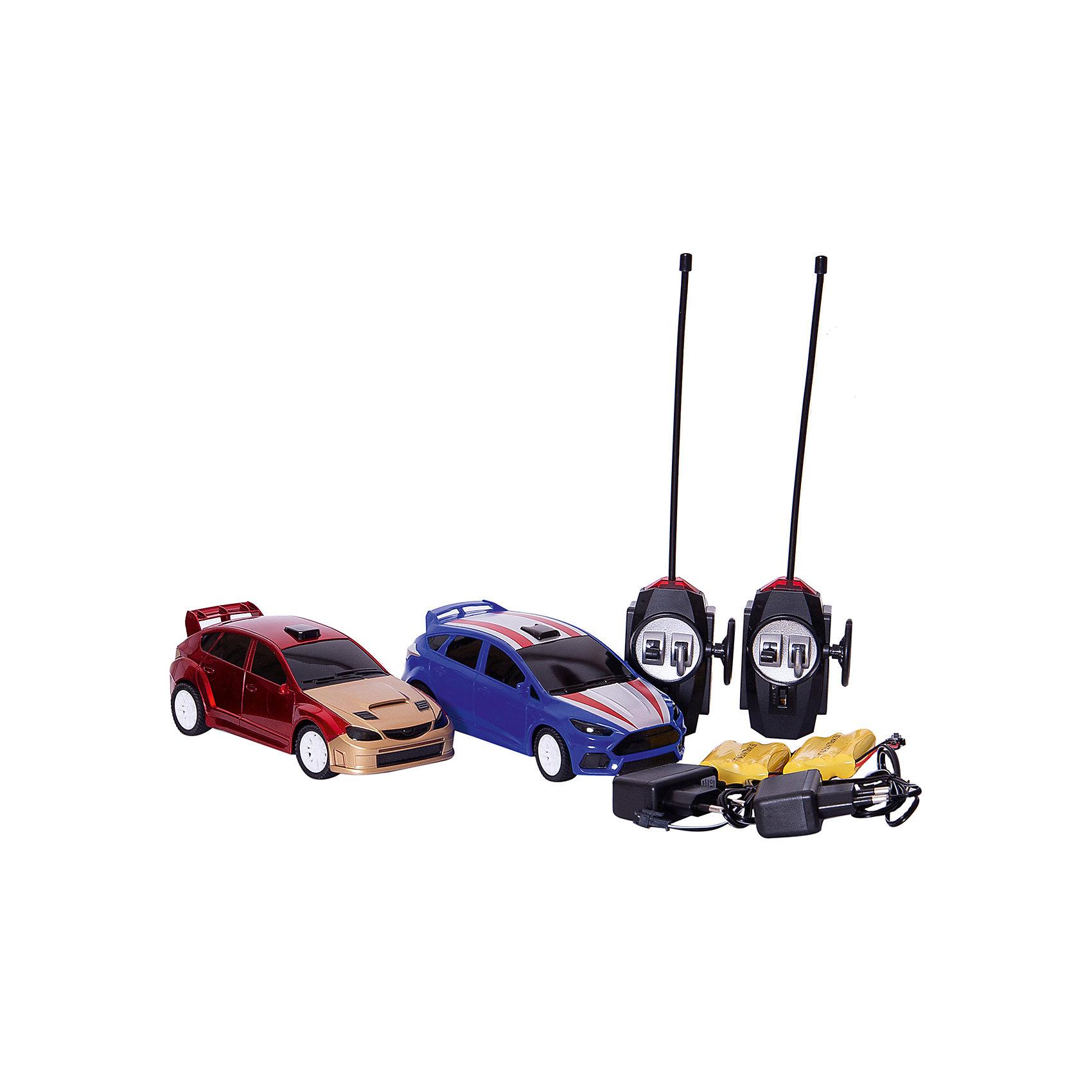 Набор Боевые машины, со световыми эффектами, BlueSeaРадиоуправляемые машины<br>Характеристики товара:<br><br>• возраст: от 6 лет;<br>• материал: пластик, металл;<br>• в комплекте: 2 машины, 2 пульта, зарядное устройство;<br>• тип батареек: 3 батарейки АА;<br>• наличие батареек: в комплект не входят;<br>• размер упаковки: 33х20х14 см;<br>• вес упаковки: 900 гр.;<br>• страна производитель: Китай.<br><br>Набор «Боевые машины» BlueSea со световыми эффектами — набор из 2 радиоуправляемых машинок. Они управляются каждая при помощи своего пульта управления и могут ездить в разных направлениях. С помощью машинок можно устроить захватывающие гонки, а также сражение, в котором победит машинка, которая перевернет другую.<br><br>Набор «Боевые машины» BlueSea со световыми эффектами можно приобрести в нашем интернет-магазине.<br><br>Ширина мм: 320<br>Глубина мм: 200<br>Высота мм: 140<br>Вес г: 900<br>Возраст от месяцев: 36<br>Возраст до месяцев: 168<br>Пол: Унисекс<br>Возраст: Детский<br>SKU: 6883993