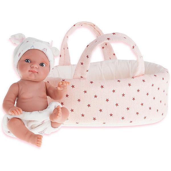 Кукла Пепита в корзине, 21 см, Munecas Antonio JuanКуклы<br>Характеристики товара:<br><br>• возраст: от 3 лет;<br>• материал: винил, текстиль;<br>• в комплекте: кукла, одежда, корзинка;<br>• высота куклы: 21 см;<br>• размер упаковки: 31х25х11 см;<br>• вес упаковки: 825 гр.;<br>• страна производитель: Испания.<br><br>Кукла Пепита в корзине Munecas Antonio Juan выглядит как самый настоящий малыш. Она одета в трусики и шапочку с ушками. В комплекте мягкая корзина, в которой куколка может спать. А благодаря наличию ручек ее можно брать с собой на прогулку или в гости. Кукла выполнена из качественного винила, у нее подвижные руки и ноги. Игра с куклой приучит девочку к ответственности, воспитает чувство заботы и любви.<br><br>Куклу Пепиту в корзине Munecas Antonio Juan можно приобрести в нашем интернет-магазине.<br><br>Ширина мм: 110<br>Глубина мм: 250<br>Высота мм: 310<br>Вес г: 825<br>Возраст от месяцев: 36<br>Возраст до месяцев: 2147483647<br>Пол: Женский<br>Возраст: Детский<br>SKU: 6886583