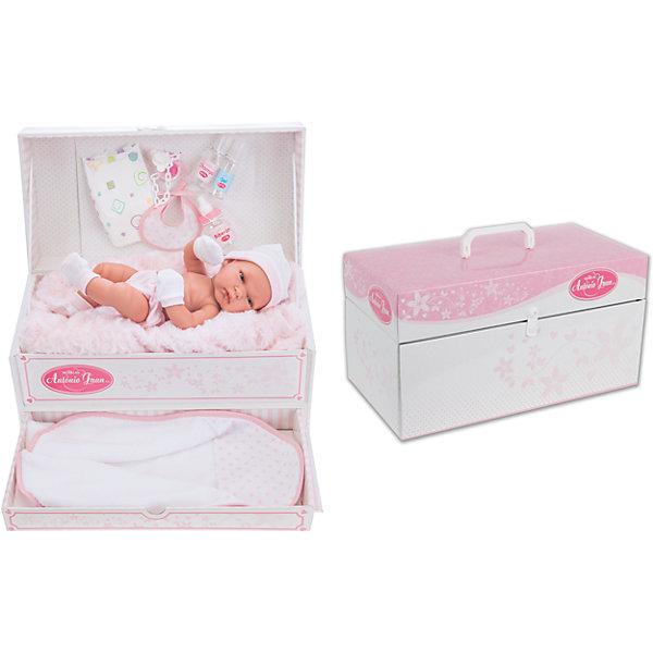 Кукла Валенсия в подарочной коробке, 33 см, Munecas Antonio JuanКуклы<br>Характеристики товара<br><br>:• возраст: от 3 лет;<br>• материал: винил, текстиль;<br>• в комплекте: кукла, аксессуары;<br>• высота куклы: 33 см;<br>• размер упаковки: 41,5х21х22 см;<br>• вес упаковки: 1,83 кг;<br>• страна производитель: Испания.<br><br>Кукла Валенсия в подарочной коробке Munecas Antonio Juan — очаровательный пупс с выразительными глазками. Набор аксессуаров по уходу за младенцем разнообразит игру. Упакована кукла в подарочную коробку с ручкой. У коробки выдвигается небольшой ящик, внутри которого спрятан матрасик. Он может служит для куклы спальным местом. Кукла выполнена из качественного винила, у нее подвижные руки и ноги. Игра с куклой приучит девочку к ответственности, воспитает чувство заботы и любви.<br><br>Куклу Валенсию в подарочной коробке Munecas Antonio Juan можно приобрести в нашем интернет-магазине.<br>Ширина мм: 415; Глубина мм: 210; Высота мм: 220; Вес г: 1830; Возраст от месяцев: 36; Возраст до месяцев: 2147483647; Пол: Женский; Возраст: Детский; SKU: 6886588;