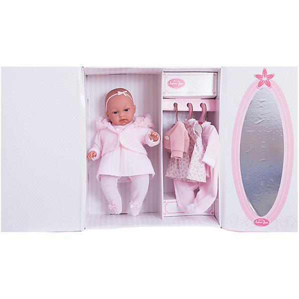 Кукла Лория в розовом, 34 см, Munecas Antonio JuanКуклы<br>Характеристики товара:<br><br>• возраст: от 3 лет;<br>• материал: винил, текстиль;<br>• в комплекте: кукла, одежда, аксессуары;<br>• тип батареек: 3 батарейки LR44;<br>• наличие батареек: в комплекте;<br>• высота куклы: 34 см;<br>• размер упаковки: 44х24,5х12 см;<br>• вес упаковки: 1,22 кг;<br>• страна производитель: Испания.<br><br>Кукла Лория в розовом Munecas Antonio Juan выглядит как самый настоящий малыш. В комплекте с куклой целый гардероб, поэтому можно менять образы куколки хоть каждый день. Если нажать на животик куклы один раз, она начнет лепетать. Кукла выполнена из качественного винила, у нее подвижные руки и ноги. Игра с куклой приучит девочку к ответственности, воспитает чувство заботы и любви.<br><br>Куклу Лорию в розовом Munecas Antonio Juan можно приобрести в нашем интернет-магазине.<br><br>Ширина мм: 440<br>Глубина мм: 245<br>Высота мм: 120<br>Вес г: 1220<br>Возраст от месяцев: 36<br>Возраст до месяцев: 2147483647<br>Пол: Женский<br>Возраст: Детский<br>SKU: 6886591