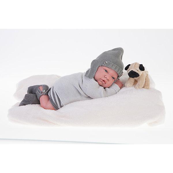 Кукла Реборн младенец Игнасио , 40см, Munecas Antonio JuanКуклы<br>Характеристики товара:<br><br>• возраст: от 3 лет;<br>• материал: винил, текстиль;<br>• в комплекте: кукла, одежда, мягкая игрушка, матрас;<br>• высота куклы: 40 см;<br>• размер упаковки: 55х28х20 см;<br>• вес упаковки: 3,65 кг;<br>• страна производитель: Испания.<br><br>Кукла Реборн младенец Игнасио Munecas Antonio Juan выглядит как самый настоящий малыш. Рамон одет в вязаные шортики, кофточку, шапочку в виде шлема. Куклы серии Реборн отличаются проработкой деталей на младенцах. У них выразительные глазки с ресничками, мягкая кожа, на ручках даже видны отросшие ноготки. Кукла выполнена из качественного винила с бархатистым покрытием. Игра с куклой приучит девочку к ответственности, воспитает чувство заботы и любви.<br><br>Куклу Реборн младенец Игнасио Munecas Antonio Juan можно приобрести в нашем интернет-магазине.<br>Ширина мм: 200; Глубина мм: 280; Высота мм: 550; Вес г: 3650; Возраст от месяцев: 36; Возраст до месяцев: 2147483647; Пол: Женский; Возраст: Детский; SKU: 6886594;