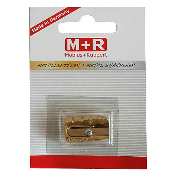M+R Точилка металлическаяТочилки<br>Из латуни, в форме пули. Для карандашей диаметром 8,2 мм.  В блистере<br><br>Ширина мм: 100<br>Глубина мм: 100<br>Высота мм: 60<br>Вес г: 25<br>Возраст от месяцев: 36<br>Возраст до месяцев: 168<br>Пол: Унисекс<br>Возраст: Детский<br>SKU: 6888672