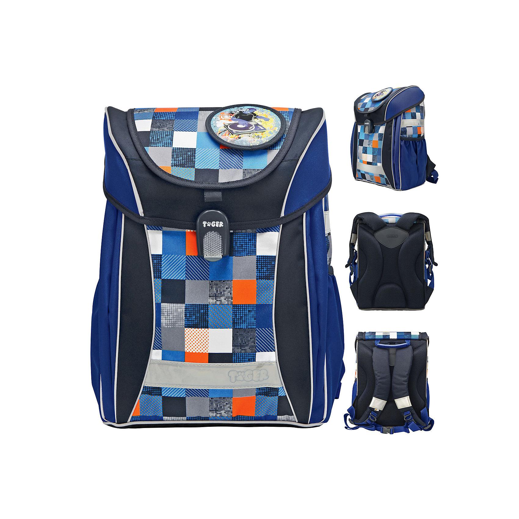 Ранец школьный JOY COLLECTIONРанцы<br>Ранец школьный JOY COLLECTION DJ IN BLUE, размер 38 х 31 х 21 см, объем 17 литров, анатомическая cпинка, синий, для мальчиков<br>Ранец выполнен из влагоустойчивой ткани. Используется удобный и надежный магнитный замок FIDLOCK (Германия). Имеются светоотражающие элементы на всех 4 сторонах, удобные регулируемые лямки, два боковых кармана, съемный регулируемый нагрудный ремень. Внутри имеется большое отделение для книг с внутренним карманом, дополнительное отделение в передней части ранца. В комплект входит набор съемных пвх наклеек<br><br>Ширина мм: 310<br>Глубина мм: 210<br>Высота мм: 380<br>Вес г: 1096<br>Возраст от месяцев: 72<br>Возраст до месяцев: 144<br>Пол: Мужской<br>Возраст: Детский<br>SKU: 6888752