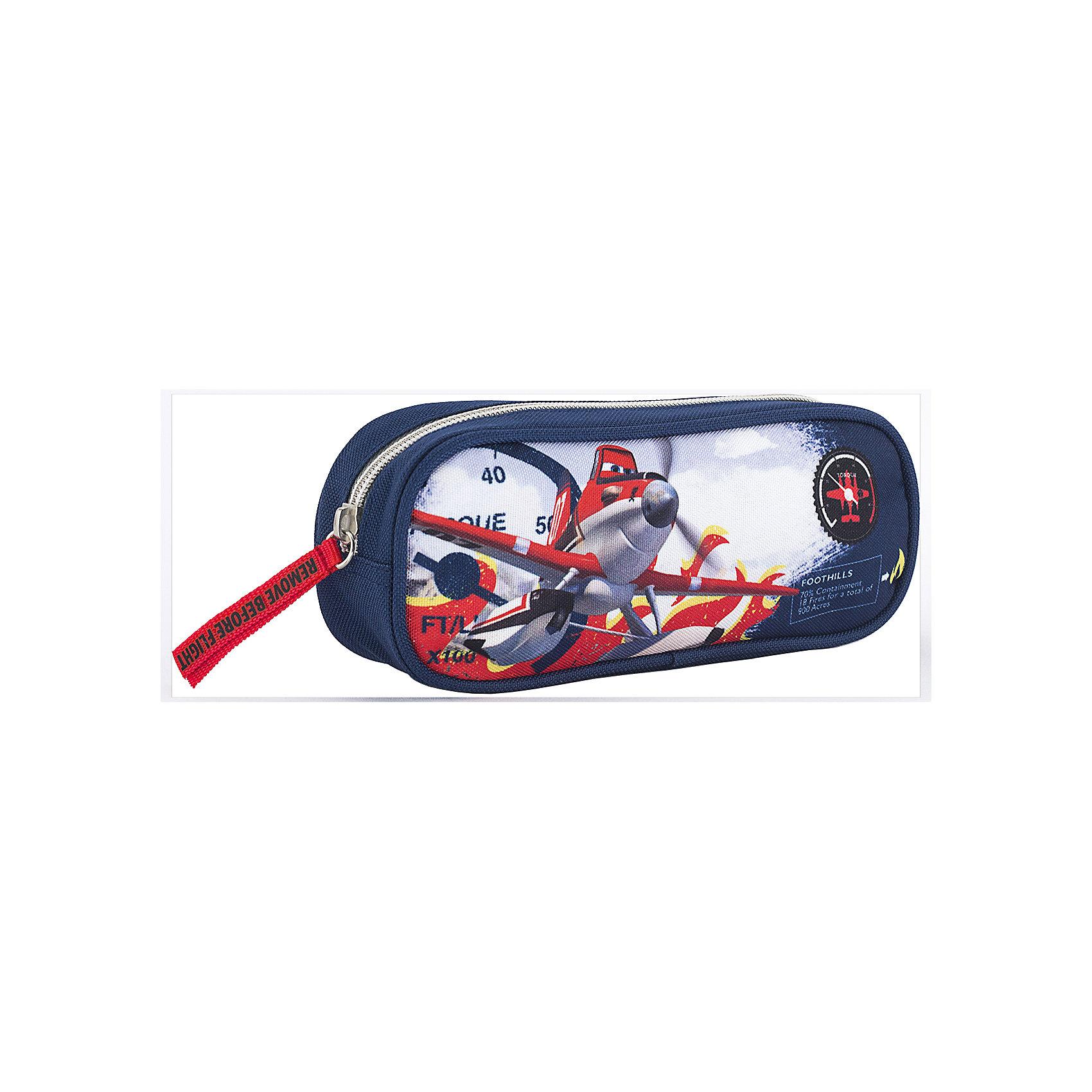 Пенал-косметичка Kinderline СамолетыСамолеты<br>Характеристики товара:<br><br>• цвет: синий<br>• есть внутренний карман;<br>• размер: 5х21х8 см;<br>• материал: полиэстер;<br>• возраст: от 4 лет;<br>• вес: 71 грамм;<br>• страна: Китай.<br><br>Пенал - один из самых необходимых предметов для учебы и занятий ребенка. Основное отделение пенала Planes застегивается на молнию.<br><br>Внутри есть небольшой карман для маленьких предметов. Пенал изготовлен из прочного полиэстера. Изделие декорировано принтом с героями мультфильма «Самолеты».<br><br>Planes (Самолеты) Пенал Размер 8 х 21 х 5 см можно купить в нашем интернет-магазине.<br><br>Ширина мм: 80<br>Глубина мм: 210<br>Высота мм: 50<br>Вес г: 71<br>Возраст от месяцев: 48<br>Возраст до месяцев: 2147483647<br>Пол: Мужской<br>Возраст: Детский<br>SKU: 6892481