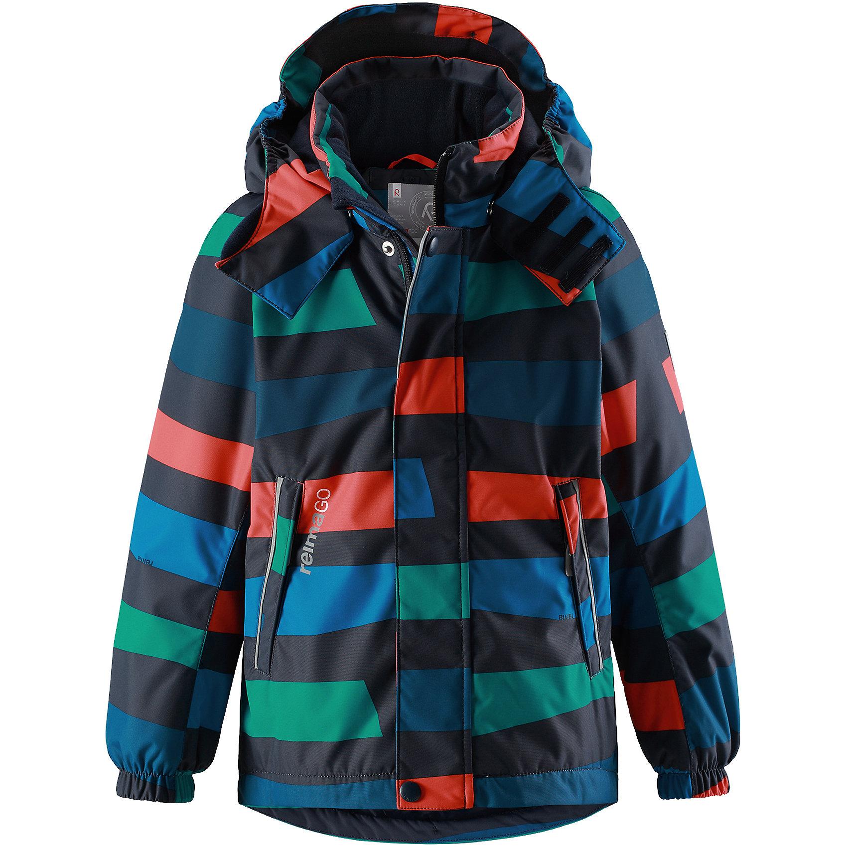 Куртка Reimatec® Reima Talik для мальчикаВерхняя одежда<br>Характеристики товара:<br><br>• цвет: синий;<br>• состав: 100% полиэстер;<br>• подкладка: 100% полиэстер;<br>• утеплитель: 160 г/м2<br>• температурный режим: от 0 до -20С;<br>• сезон: зима; <br>• водонепроницаемость: 15000 мм;<br>• воздухопроницаемость: 7000 мм;<br>• износостойкость: 35000 циклов (тест Мартиндейла);<br>• водо- и ветронепроницаемый, дышащий и грязеотталкивающий материал;<br>• все швы проклеены и водонепроницаемы;<br>• гладкая подкладка из полиэстера;<br>• эластичные манжеты;<br>• застежка: молния с защитой подбородка;<br>• безопасный съемный и регулируемый капюшон на кнопках;<br>• регулируемый подол;<br>• два кармана на молнии;<br>• внутренний нагрудный карман;<br>• карман с креплением для сенсора ReimaGO®;<br>• светоотражающие детали;<br>• страна бренда: Финляндия;<br>• страна изготовитель: Китай.<br><br>Детская непромокаемая зимняя куртка Reimatec® изготовлена из водо и ветронепроницаемого, дышащего и прочного материала. Эффективно отталкивает грязь. Все швы проклеены, водонепроницаемы. В этой модели просторного кроя подол легко регулируется, что позволяет подогнать куртку точно по фигуре. <br><br>Съемный и регулируемый капюшон защищает от пронизывающего ветра и проливного дождя, а еще он безопасен во время игр на свежем воздухе. С помощью удобной системы кнопок Play Layers® к этой куртке можно присоединять одежду промежуточного слоя Reima®, которая подарит вашему ребенку дополнительное тепло и комфорт. <br><br>В куртке предусмотрены эластичные манжеты, два кармана на молнии, внутренний нагрудный карман, карман для сенсора ReimaGO® и множество светоотражающих деталей. Эта куртка очень проста в уходе, кроме того, ее можно сушить в стиральной машине.<br><br>Куртку Talik Reimatec® Reima от финского бренда Reima (Рейма) можно купить в нашем интернет-магазине.<br><br>Ширина мм: 356<br>Глубина мм: 10<br>Высота мм: 245<br>Вес г: 519<br>Цвет: синий<br>Возраст от месяцев: 36<br>Возраст до месяцев: 4