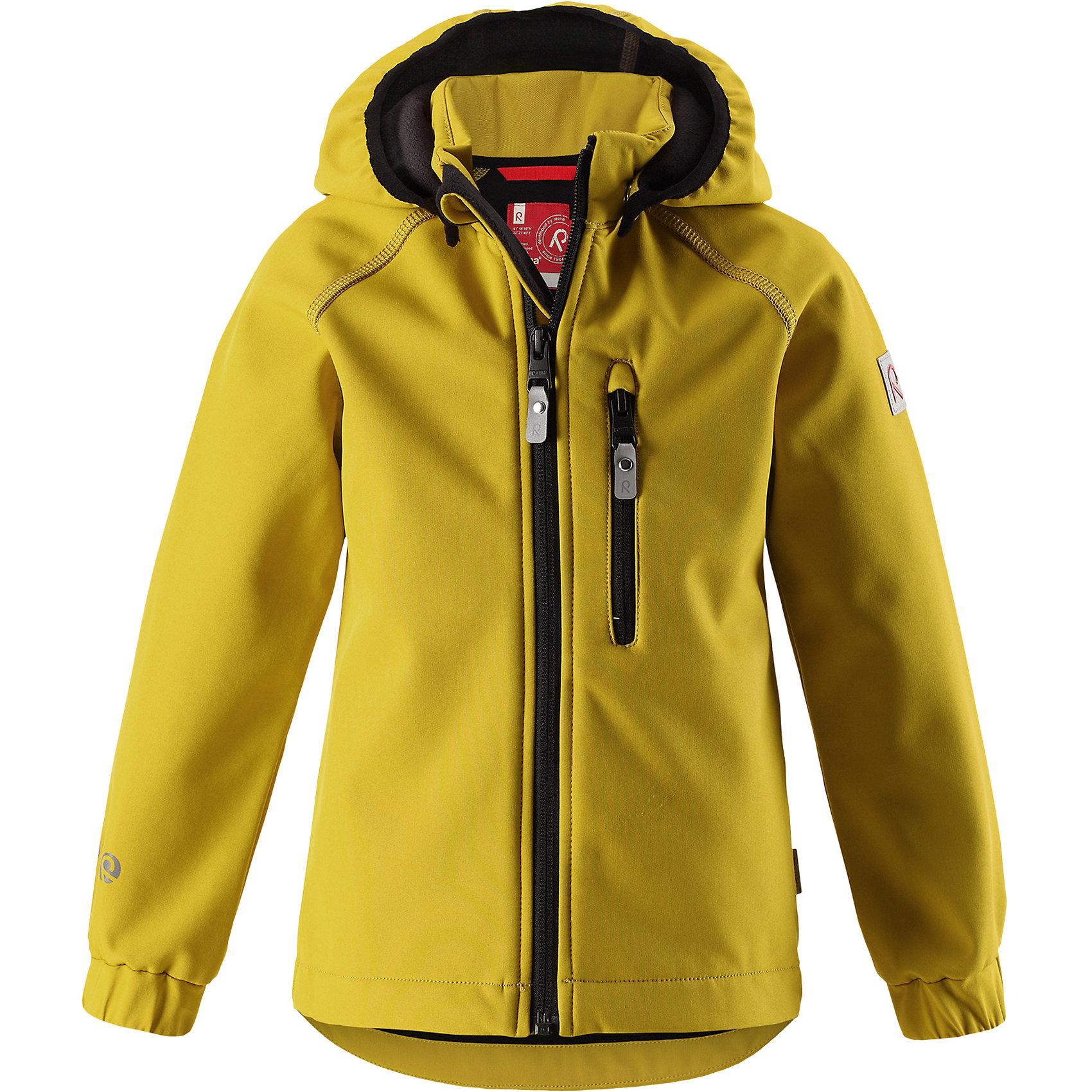 Куртка Vantti ReimaОдежда<br>Характеристики товара:<br><br>• цвет: желтый;<br>• состав: 95% полиэстер, 5% эластан, полиуретановое покрытие;<br>• утеплитель: без утеплителя;<br>• сезон: демисезон;<br>• температурный режим: от +5 до +15С;<br>• водонепроницаемость: 10000 мм;<br>• воздухопроницаемость: 4000 мм;<br>• водоотталкивающий, ветронепроницаемый и дышащий материал;<br>• многослойный материал, с изнаночной стороны - флис;<br>• водонепроницаемый материал softshell;<br>• застежка: молния с защитой подбородка от защемления;<br>• безопасный съемный капюшон;<br>• эластичные манжеты;<br>• карман на молнии;<br>• светоотражающие элементы;<br>• страна бренда: Финляндия;<br>• страна производства: Китай.<br><br>Демисезонная куртка с капюшоном изготовлена из водо и грязеотталкивающего материала softshell. Куртка на молнии, с флисовой подкладкой станет идеальным выбором для холодных весенних и осенних дней. Мягкий и эластичный материал softshell дарит ощущение комфорта. В двух карманах найдется место для всех мелочей. Благодаря эластичным сборкам на рукавах и подоле, куртка отлично сидит. Куртка без подкладки. <br><br>Куртка Vantti Reima можно купить в нашем интернет-магазине.<br><br>Ширина мм: 356<br>Глубина мм: 10<br>Высота мм: 245<br>Вес г: 519<br>Цвет: желтый<br>Возраст от месяцев: 108<br>Возраст до месяцев: 120<br>Пол: Унисекс<br>Возраст: Детский<br>Размер: 140,92,98,104,110,116,122,128,134<br>SKU: 6901341