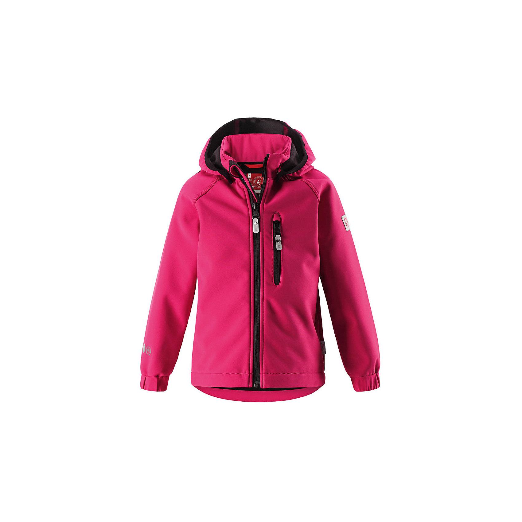 Куртка Vantti ReimaФлис и термобелье<br>Характеристики товара:<br><br>• цвет: розовый;<br>• состав: 95% полиэстер, 5% эластан, полиуретановое покрытие;<br>• утеплитель: без утеплителя;<br>• сезон: демисезон;<br>• температурный режим: от +5 до +15С;<br>• водонепроницаемость: 10000 мм;<br>• воздухопроницаемость: 4000 мм;<br>• водоотталкивающий, ветронепроницаемый и дышащий материал;<br>• многослойный материал, с изнаночной стороны - флис;<br>• водонепроницаемый материал softshell;<br>• застежка: молния с защитой подбородка от защемления;<br>• безопасный съемный капюшон;<br>• эластичные манжеты;<br>• карман на молнии;<br>• светоотражающие элементы;<br>• страна бренда: Финляндия;<br>• страна производства: Китай.<br><br>Демисезонная куртка с капюшоном изготовлена из водо и грязеотталкивающего материала softshell. Куртка на молнии, с флисовой подкладкой станет идеальным выбором для холодных весенних и осенних дней. Мягкий и эластичный материал softshell дарит ощущение комфорта. В двух карманах найдется место для всех мелочей. Благодаря эластичным сборкам на рукавах и подоле, куртка отлично сидит. Куртка без подкладки. <br><br>Куртка Vantti Reima можно купить в нашем интернет-магазине.<br><br>Ширина мм: 356<br>Глубина мм: 10<br>Высота мм: 245<br>Вес г: 519<br>Цвет: розовый<br>Возраст от месяцев: 108<br>Возраст до месяцев: 120<br>Пол: Унисекс<br>Возраст: Детский<br>Размер: 140,92,98,104,110,116,122,128,134<br>SKU: 6901351