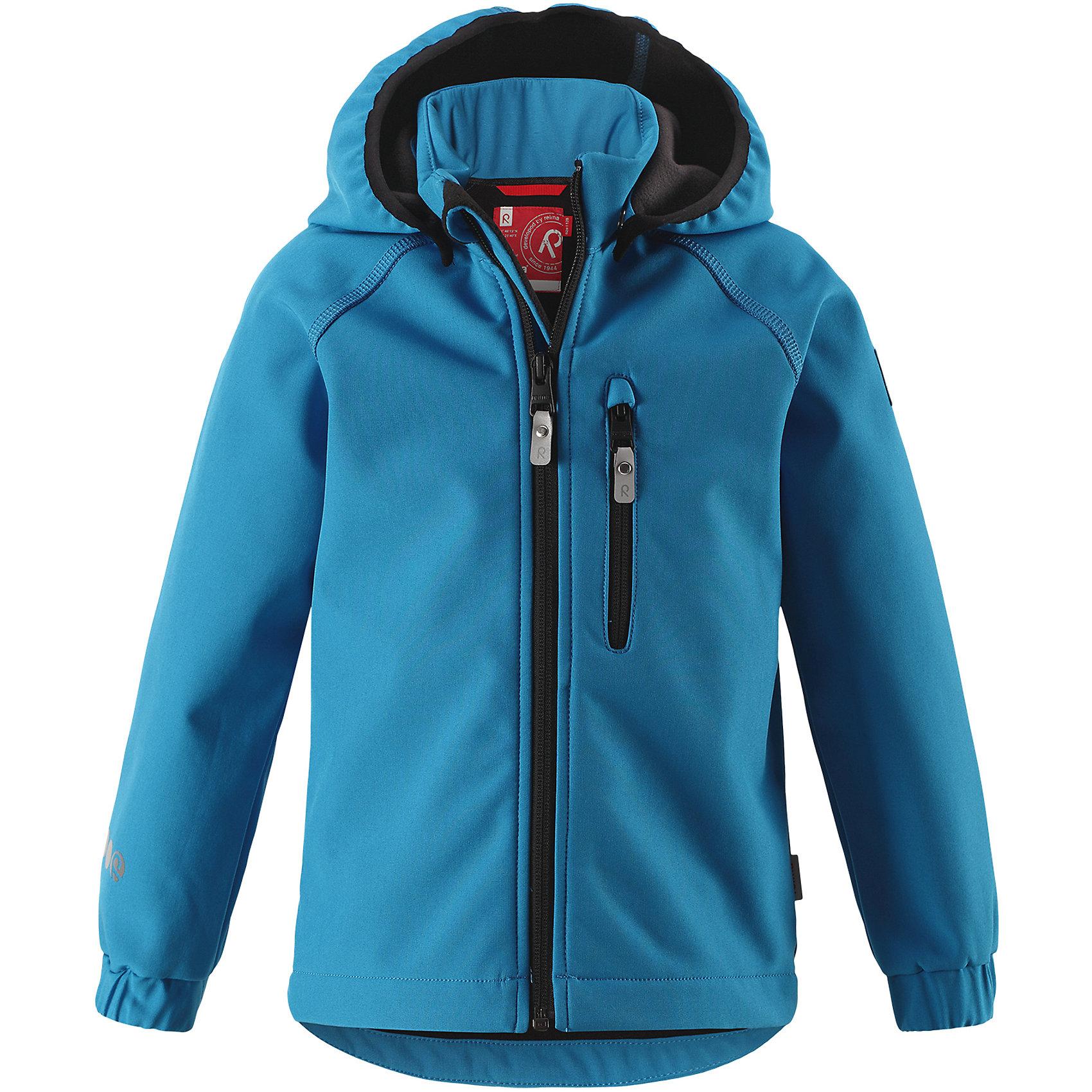 Куртка Vantti ReimaФлис и термобелье<br>Характеристики товара:<br><br>• цвет: голубой;<br>• состав: 95% полиэстер, 5% эластан, полиуретановое покрытие;<br>• утеплитель: без утеплителя;<br>• сезон: демисезон;<br>• температурный режим: от +5 до +15С;<br>• водонепроницаемость: 10000 мм;<br>• воздухопроницаемость: 4000 мм;<br>• водоотталкивающий, ветронепроницаемый и дышащий материал;<br>• многослойный материал, с изнаночной стороны - флис;<br>• водонепроницаемый материал softshell;<br>• застежка: молния с защитой подбородка от защемления;<br>• безопасный съемный капюшон;<br>• эластичные манжеты;<br>• карман на молнии;<br>• светоотражающие элементы;<br>• страна бренда: Финляндия;<br>• страна производства: Китай.<br><br>Демисезонная куртка с капюшоном изготовлена из водо и грязеотталкивающего материала softshell. Куртка на молнии, с флисовой подкладкой станет идеальным выбором для холодных весенних и осенних дней. Мягкий и эластичный материал softshell дарит ощущение комфорта. В двух карманах найдется место для всех мелочей. Благодаря эластичным сборкам на рукавах и подоле, куртка отлично сидит. Куртка без подкладки. <br><br>Куртка Vantti Reima можно купить в нашем интернет-магазине.<br><br>Ширина мм: 356<br>Глубина мм: 10<br>Высота мм: 245<br>Вес г: 519<br>Цвет: синий<br>Возраст от месяцев: 108<br>Возраст до месяцев: 120<br>Пол: Унисекс<br>Возраст: Детский<br>Размер: 140,122,92,98,104,110,116,128,134<br>SKU: 6901361