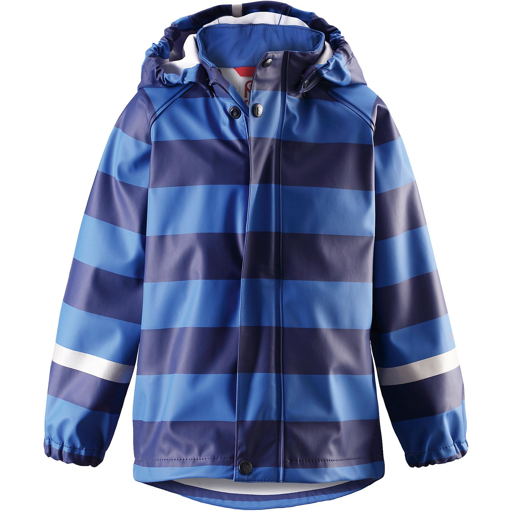 Плащ-дождевик Reima VesiОдежда<br>Детская куртка-дождевик изготовлена из удобного, эластичного материала, не содержащего ПВХ. Швы запаяны и абсолютно водонепроницаемы. Куртка-дождевик не деревенеет на морозе, поэтому ее можно носить круглый год – просто добавьте в холодную погоду теплый промежуточный слой. Съемный капюшон защитит даже от ливня, при этом он безопасен во время прогулок в дождливый день. Молния спереди во всю длину и множество светоотражающих деталей. Сочетайте куртку с брюками для дождя Reima® и вы заметите – в дождь играть еще веселее!<br>Состав:<br>100% Полиэстер<br><br>Ширина мм: 356<br>Глубина мм: 10<br>Высота мм: 245<br>Вес г: 519<br>Цвет: синий<br>Возраст от месяцев: 108<br>Возраст до месяцев: 120<br>Пол: Унисекс<br>Возраст: Детский<br>Размер: 140,86,92,98,104,110,116,122,128,134<br>SKU: 6901490
