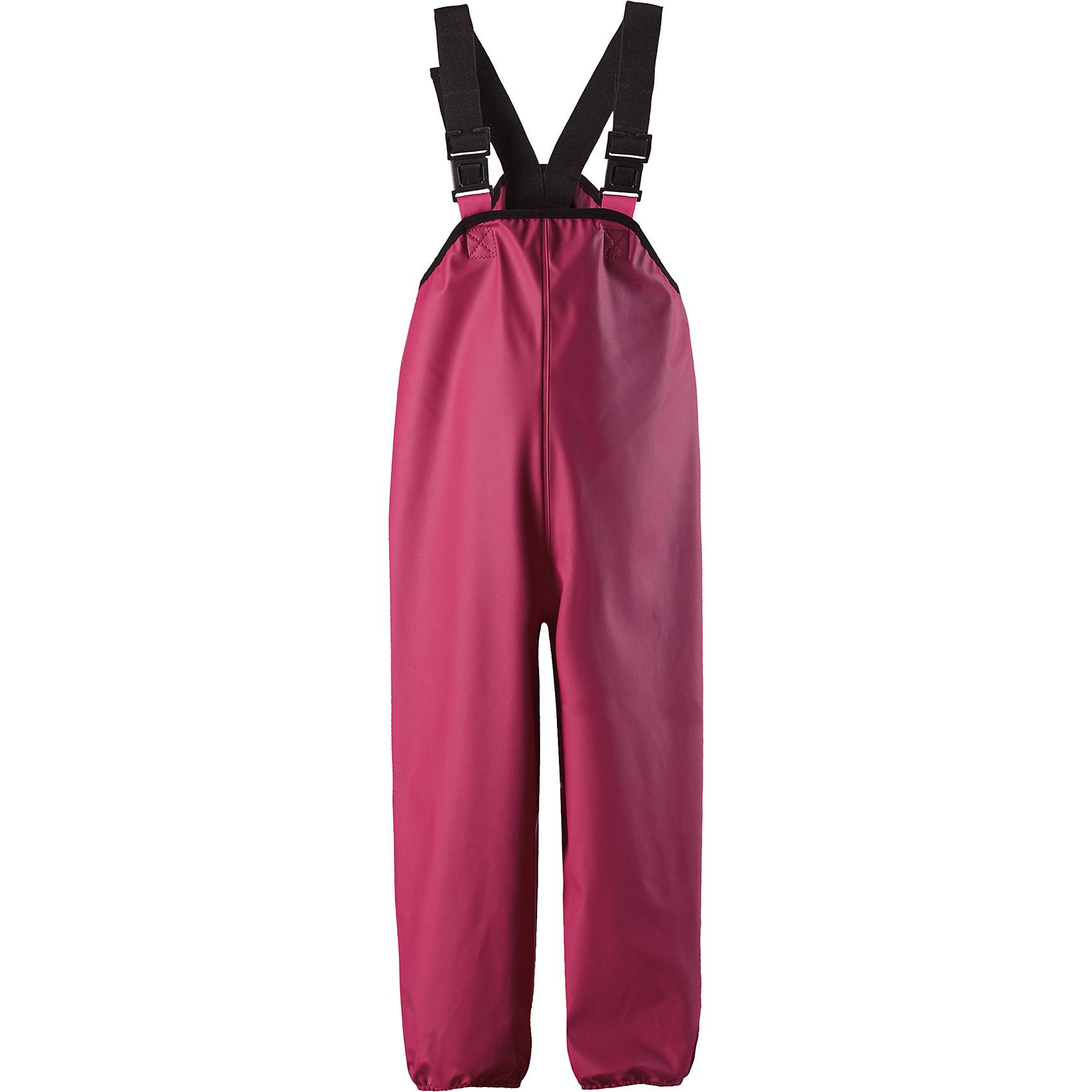 Дождевые брюки Reima LammikkoОдежда<br>Характеристики товара:<br><br>• цвет: розовый;<br>• состав: 100% полиэстер;<br>• без подкладки и утеплителя;<br>• температурный режим: от +15 до -15С;<br>• сезон: демисезон; <br>• водонепроницаемость: 8000 мм;<br>• брюки для дождливой погоды;<br>• запаянные швы, не пропускающие влагу;<br>• эластичный материал;<br>• без ПВХ;<br>• регулируемый обхват талии;<br>• эластичные штанины;<br>• съемные эластичные штрипки;<br>• регулируемые подтяжки;<br>• светоотражающие детали;<br>• страна бренда: Финляндия;<br>• страна изготовитель: Китай.<br><br>Классические брюки для дождливой погоды гарантируют полную защиту. Материал – мягкий, но водонепроницаемый и грязеотталкивающий. К тому же он не «деревенеет» на морозе, поэтому брюки можно носить круглый год. Швы запаяны и абсолютно водонепроницаемы. Удобные эластичные подтяжки удерживают брюки во время активных игр, а штрипки не дадут брючинам задираться на голенищах резиновых сапог. Без подкладки.<br><br>Брюки Lammikko Reima от финского бренда Reima (Рейма) можно купить в нашем интернет-магазине.<br><br>Ширина мм: 215<br>Глубина мм: 88<br>Высота мм: 191<br>Вес г: 336<br>Цвет: розовый<br>Возраст от месяцев: 84<br>Возраст до месяцев: 96<br>Пол: Унисекс<br>Возраст: Детский<br>Размер: 128,80,86,92,98,104,110,116,122<br>SKU: 6901542