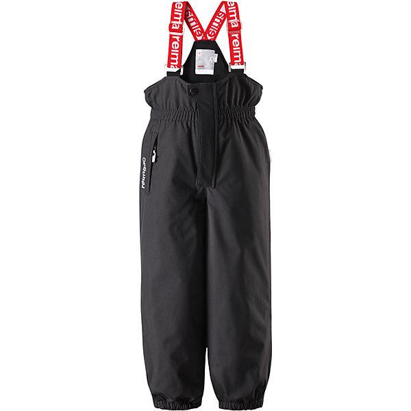 Брюки Reimatec® Reima JuoniВерхняя одежда<br>Характеристики товара:<br><br>• цвет: черный;<br>• состав: 100% полиэстер;<br>• подкладка: 100% полиэстер;<br>• утеплитель: 120 г/м2;<br>• температурный режим: от 0 до -20С;<br>• сезон: зима; <br>• водонепроницаемость: 12000 мм;<br>• воздухопроницаемость: 8000 мм;<br>• износостойкость: 80000 циклов (тест Мартиндейла);<br>• водо- и ветронепроницаемый, дышащий и грязеотталкивающий материал;<br>• все швы проклеены и водонепроницаемы;<br>• застежка: ширинка на молнии и пуговица;<br>• сверхпрочный  материал;<br>• высокая талия с регулируемыми подтяжками;<br>• гладкая подкладка из полиэстера;<br>• регулируемая длина брюк с помощью кнопок;<br>• эластичные штанины;<br>• прочные съемные силиконовые штрипки;<br>• карман на молнии;<br>• потайной карман для датчика ReimaGO®;<br>• светоотражающие детали;<br>• страна бренда: Финляндия;<br>• страна изготовитель: Китай.<br><br>Детские водонепроницаемые зимние брюки Reimatec®+ сшиты из очень прочного материала Duraplus®. Брюки с подтяжками изготовлены из специального материала – водонепроницаемого, сверхизносостойкого, ветронепроницаемого и в то же время дышащего. Все швы проклеены и водонепроницаемы. Благодаря высокой талии и регулируемым подтяжкам, брюки идеально сидят по фигуре. <br><br>Гладкая подкладка из полиэстера и длинная застежка на липучке облегчают надевание. Концы брючин регулируются под ширину обуви, а силиконовые штрипки не дадут брючинам задираться даже во время бега! Брюки снабжены одним карманом на молнии и специальным карманом для сенсора ReimaGO®.<br><br>Брюки Juoni Reimatec® Reima от финского бренда Reima (Рейма) можно купить в нашем интернет-магазине.<br>Ширина мм: 215; Глубина мм: 88; Высота мм: 191; Вес г: 336; Цвет: черный; Возраст от месяцев: 18; Возраст до месяцев: 24; Пол: Унисекс; Возраст: Детский; Размер: 92,128,122,116,110,104,98; SKU: 6901705;