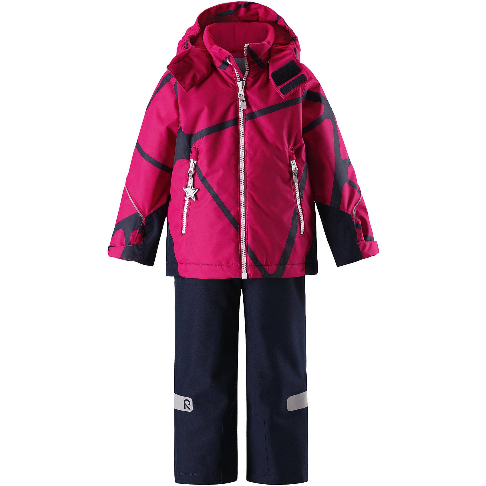 Комплект Reimatec® Reima GraneВерхняя одежда<br>Характеристики товара:<br><br>• цвет: розовый;<br>• состав: 100% полиэстер;<br>• подкладка: 100% полиэстер;<br>• утеплитель: 120 г/м2;<br>• температурный режим: от 0 до -20С;<br>• сезон: зима; <br>• водонепроницаемость: 8000/10000 мм;<br>• воздухопроницаемость: 7000/5000 мм;<br>• износостойкость: 30000/50000 циклов (тест Мартиндейла);<br>• водо- и ветронепроницаемый, дышащий и грязеотталкивающий материал;<br>• все швы проклеены и водонепроницаемы;<br>• куртка на молнии с защитой подбородка, брюки с ширинкой на молнии и пуговицей;<br>• прочные усиленные вставки на рукавах и спинке;<br>• безопасный съемный капюшон;<br>• регулируемые манжеты на липучке;<br>• регулируемый подол;<br>• снегозащитные манжеты на штанинах;<br>• регулируемые и отстегивающиеся эластичные подтяжки;<br>• карманы на молнии;<br>• светоотражающие детали;<br>• страна бренда: Финляндия;<br>• страна изготовитель: Китай.<br><br>Сверхпрочный детский зимний комплект Reimatec ® Kiddo. Функциональная куртка Reimatec ® Kiddo изготовлена из износостойкого, дышащего, водо и ветронепроницаемого материала с водо и грязеотталкивающей поверхностью. Все швы проклеены, водонепроницаемы. Рукава и спинка снабжены прочными усилениями, которые защищают участки, больше всего подверженные износу во время подвижных игр и катания на санках. <br><br>У этой модели прямой покрой с регулируемой талией и подолом, так что силуэт можно сделать более облегающим. Концы рукавов тоже регулируются застежкой на липучке, как раз под ширину перчаток. Съемный капюшон защищает от холодного ветра, а еще обеспечивает дополнительную безопасность во время игр на улице – поскольку он легко отстегнется, если случайно за что-нибудь зацепится. <br><br>По краю капюшона предусмотрен ветроотражатель, который обеспечивает шее дополнительную защиту. В брюках имеется ширинка на молнии, регулируемые и съемные эластичными подтяжками, а также защита от снега на концах брючин. Комплект снабжен гладкой подкладк