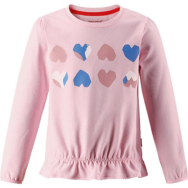 Футболка с длинным рукавом Reima Hilla для девочкиОдежда<br>Характеристики товара:<br><br>• цвет: светло-розовый;<br>• состав: 61% хлопок, 33% полиэстер, 6% эластан;<br>• быстросохнущий материал Play jersey, приятный на ощупь;<br>• мягкий хлопчатобумажный верх;<br>• внутренняя поверхность хорошо выводит влагу;<br>• уф-защита 40+;<br>• эластичные манжеты;<br>• эластичная сборка на плече и манжетах;<br>• оборка на подоле;<br>• страна бренда: Финляндия;<br>• страна изготовитель: Китай.<br><br>Футболка с длинными рукавами для малышей и детей постарше изготовлена из удобного быстросохнущего материала Play Jersey с УФ-защитой 40+. Лицевая поверхность этого особо мягкого хлопчатобумажного материала очень приятна на ощупь, а обратная сторона эффективно отводит влагу. <br><br>Благодаря эластану, ткань тянется, обеспечивает комфорт и не сковывает движений во время подвижных веселых игр. Обратите внимание, что одежду Play Jersey также можно носить круглый год – материал имеет УФ-защиту 40+. Образ довершает симпатичная оборка на подоле.<br><br>Футболку с длинным рукавом Hilla для девочки Reima от финского бренда Reima (Рейма) можно купить в нашем интернет-магазине.<br><br>Ширина мм: 230<br>Глубина мм: 40<br>Высота мм: 220<br>Вес г: 250<br>Цвет: розовый<br>Возраст от месяцев: 48<br>Возраст до месяцев: 60<br>Пол: Женский<br>Возраст: Детский<br>Размер: 110,140,134,128,104,98,92,122,116<br>SKU: 6901843