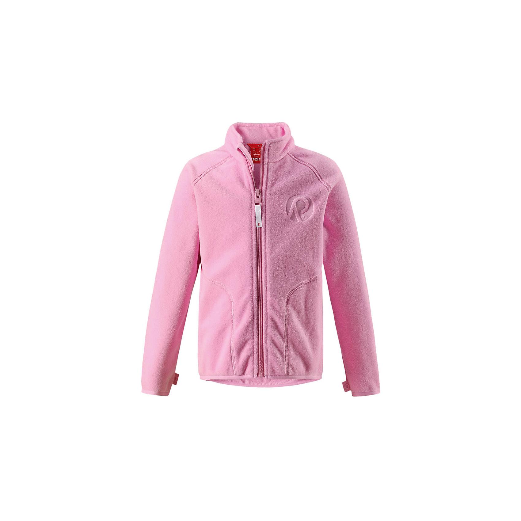 Флисовая кофта Reima InrunТолстовки<br>Супер удобная детская флисовая куртка превосходно послужит в качестве промежуточного слоя в морозные зимние дни – она теплая и очень мягкая на ощупь. Эта куртка изготовлена из легкого полярного флиса, дышащего и быстросохнущего материала. Молния во всю длину облегчает надевание, а защита для подбородка не дает поцарапать молнией шею и подбородок. <br><br>Эту практичную флисовую куртку легко можно пристегнуть к любой верхней одежде Reima®, оснащенной системой кнопок Play Layers®. Эта удобная куртка отлично подойдет для занятий в помещении – как раз для детского сада или школы. Два боковых кармана и украшение в виде красивого сплошного рисунка. Восхитительные расцветки – выбирай любую!<br>Состав:<br>100% Полиэстер<br><br>Ширина мм: 190<br>Глубина мм: 74<br>Высота мм: 229<br>Вес г: 236<br>Цвет: розовый<br>Возраст от месяцев: 108<br>Возраст до месяцев: 120<br>Пол: Унисекс<br>Возраст: Детский<br>Размер: 140,110,92,98,104,116,122,128,134<br>SKU: 6901863