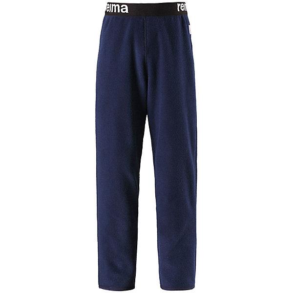 Флисовые брюки Reima Argelius для мальчикаОдежда<br>Характеристики товара:<br><br>• цвет: синий;<br>• состав: 100% полиэстер;<br>• сезон: зима;<br>• быстро сохнут и сохраняют тепло;<br>• выводит влагу в верхние слои одежды;<br>• регулируемый пояс со шнурком;<br>• эластичная резинка на штанинах;<br>• страна бренда: Финляндия;<br>• страна изготовитель: Китай.<br><br>Детские флисовые брюки отлично подойдут для поддевания под верхнюю одежду. Легкий и теплый полярный флис эффективно отводит влагу с кожи и быстро сохнет. Детские флисовые брюки снабжены регулируемой эластичной резинкой на талии, благодаря чему, их удобно носить с несколькими слоями одежды. Имеются эластичные резинки на концах брючин.<br><br>Флисовые брюки Reima Argelius от финского бренда Reima (Рейма) можно купить в нашем интернет-магазине.<br><br>Ширина мм: 215<br>Глубина мм: 88<br>Высота мм: 191<br>Вес г: 336<br>Цвет: синий<br>Возраст от месяцев: 18<br>Возраст до месяцев: 24<br>Пол: Мужской<br>Возраст: Детский<br>Размер: 92,140,134,128,122,116,110,104,98<br>SKU: 6901913