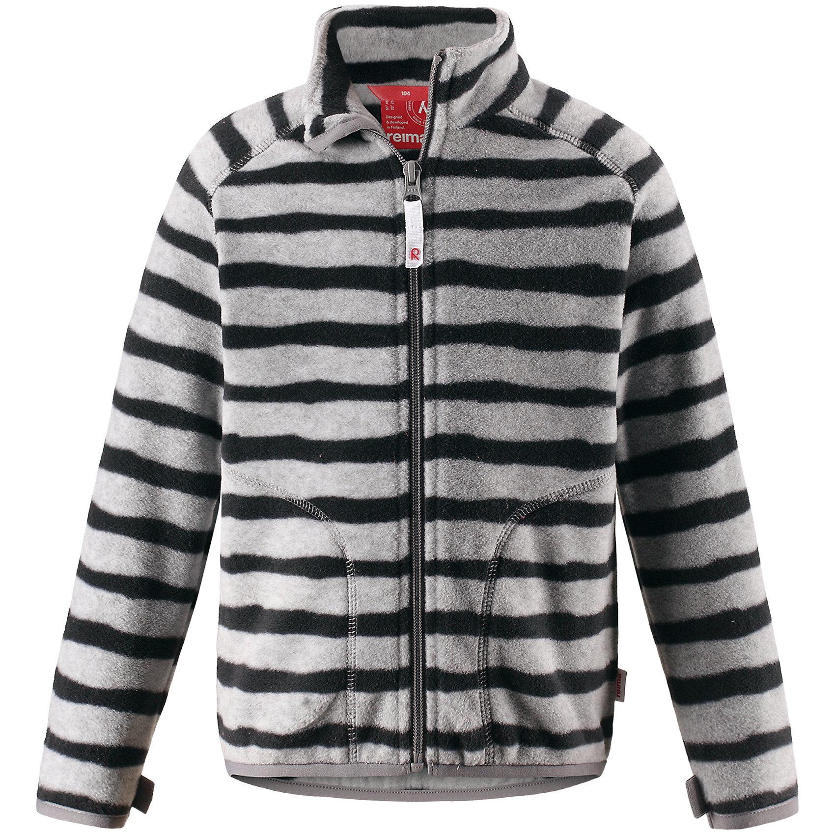 Свитер Steppe ReimaОдежда<br>Супер удобная детская флисовая куртка превосходно послужит в качестве промежуточного слоя в морозные зимние дни – она теплая и очень мягкая на ощупь. Эта куртка изготовлена из легкого полярного флиса, дышащего и быстросохнущего материала. Молния во всю длину облегчает надевание, а защита для подбородка не дает поцарапать молнией шею и подбородок. Эту практичную флисовую куртку легко можно пристегнуть к любой верхней одежде Reima®, оснащенной системой кнопок Play Layers®. Два боковых кармана и украшение в виде яркого рисунка.<br>Состав:<br>100% Полиэстер<br><br>Ширина мм: 190<br>Глубина мм: 74<br>Высота мм: 229<br>Вес г: 236<br>Цвет: серый<br>Возраст от месяцев: 108<br>Возраст до месяцев: 120<br>Пол: Унисекс<br>Возраст: Детский<br>Размер: 140,92,98,104,110,116,122,128,134<br>SKU: 6901979