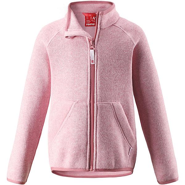 Флисовая кофта Reima HopperОдежда<br>Характеристики товара:<br><br>• цвет: светло-розовый;<br>• состав: 100% полиэстер;<br>• сезон: зима;<br>• застежка: молния по всей длине с защитой подбородка;<br>• мягкий меланжевый флисовый трикотаж: выглядит, как обычный свитер, и обладает всеми преимуществами флиса;<br>• эластичная резинка на воротнике, манжетах и подоле;<br>• удлиненный подол сзади;<br>• два кармана;<br>• страна бренда: Финляндия;<br>• страна изготовитель: Китай.<br><br>Легкая, теплая и мягкая детская куртка с красивой вязкой. Она сшита из мягкого и популярного меланжевого вязаного флиса, который объединил в себе стильный вязаный дизайн и все преимущества флиса: удобный, эластичный и дышащий флис быстро сохнет, выводя влагу в верхние слои одежды. <br>Куртка снабжена молнией во всю длину, чтобы облегчить процесс надевания, и защитой для подбородка, которая не даст поцарапать шею и подбородок. Удлиненная спинка защищает поясницу. Эта флисовая куртка, поддетая под верхнюю одежду, превосходно согреет в морозные зимние дни.<br><br>Флисовая кофта Reima Hopper от финского бренда Reima (Рейма) можно купить в нашем интернет-магазине.<br>Ширина мм: 190; Глубина мм: 74; Высота мм: 229; Вес г: 236; Цвет: розовый; Возраст от месяцев: 18; Возраст до месяцев: 24; Пол: Унисекс; Возраст: Детский; Размер: 92,140,134,128,110,104,98,122,116; SKU: 6901999;