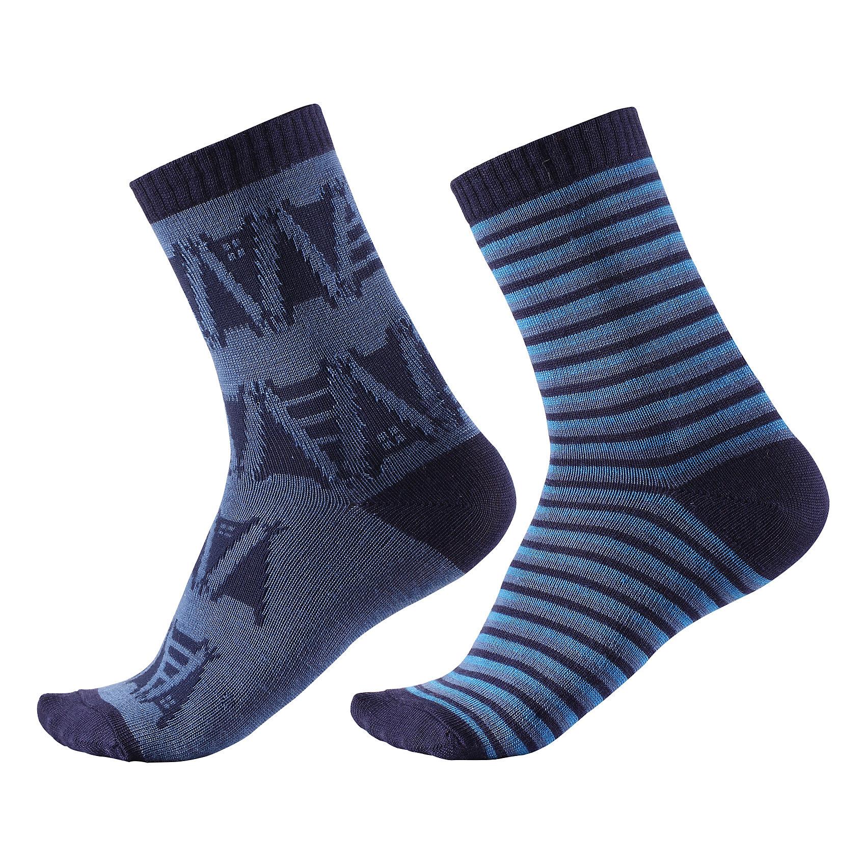 Носки Reima Strum, 2 парыНоски<br>Характеристики товара:<br><br>• цвет: синий;<br>• состав: 55% шерсть, 35% полиэстер, 8% полиамид, 2% эластан;<br>• сезон: зима;<br>• легкая ткань без вставок;<br>• быстро сохнут и сохраняют тепло;<br>• шерсть идеально поддерживает температуру;<br>• страна бренда: Финляндия;<br>• страна изготовитель: Китай.<br><br>Модные и яркие длинные детские носки изготовлены из теплого и мягкого полушерстяного трикотажа. Носки превосходно регулируют температуру, особенно в морозные зимние дни! Эластичный шерстяной трикотаж отлично пропускает воздух и быстро сохнет, поэтому ребенку будет максимально комфортно во время веселых прогулок. Облегченная модель без усилений на подошве.<br><br>Носки Strum Reima от финского бренда Reima (Рейма) можно купить в нашем интернет-магазине.<br><br>Ширина мм: 87<br>Глубина мм: 10<br>Высота мм: 105<br>Вес г: 115<br>Цвет: синий<br>Возраст от месяцев: 168<br>Возраст до месяцев: 1188<br>Пол: Унисекс<br>Возраст: Детский<br>Размер: 34-37,22-25,26-29,30-33<br>SKU: 6902058