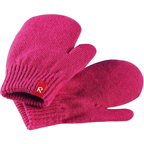 Варежки Reima Stig для девочкиПерчатки, варежки<br>Характеристики товара:<br><br>• цвет: розовый;<br>• состав: 75% шерсть, 22% полиакрил, 2% полиамид, 1% эластан;<br>• сезон: демисезон, зима;<br>• шерсть идеально поддерживает температуру;<br>• мягкая и теплая ткань из смеси шерсти;<br>• легкий стиль, без подкладки;<br>• страна бренда: Финляндия;<br>• страна изготовитель: Китай.<br><br>Вязаные варежки выполнены из эластичной полушерсти, дарящей комфорт в прохладные дни ранней осенью. Они идеально подойдут для поддевания под водонепроницаемые варежки и перчатки. Изготовлены из трикотажа высокого качества и легко стираются в стиральной машине. <br><br>Носки Savo Reima от финского бренда Reima (Рейма) можно купить в нашем интернет-магазине.<br><br>Ширина мм: 162<br>Глубина мм: 171<br>Высота мм: 55<br>Вес г: 119<br>Цвет: розовый<br>Возраст от месяцев: 72<br>Возраст до месяцев: 96<br>Пол: Женский<br>Возраст: Детский<br>Размер: 1/2,3/4,5/6<br>SKU: 6902083