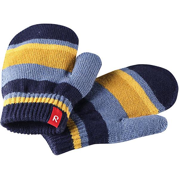 Варежки Reima Stig для мальчикаПерчатки, варежки<br>Характеристики товара:<br><br>• цвет: синий;<br>• состав: 75% шерсть, 22% полиакрил, 2% полиамид, 1% эластан;<br>• сезон: демисезон, зима;<br>• шерсть идеально поддерживает температуру;<br>• мягкая и теплая ткань из смеси шерсти;<br>• легкий стиль, без подкладки;<br>• страна бренда: Финляндия;<br>• страна изготовитель: Китай.<br><br>Вязаные варежки выполнены из эластичной полушерсти, дарящей комфорт в прохладные дни ранней осенью. Они идеально подойдут для поддевания под водонепроницаемые варежки и перчатки. Изготовлены из трикотажа высокого качества и легко стираются в стиральной машине. <br><br>Носки Savo Reima от финского бренда Reima (Рейма) можно купить в нашем интернет-магазине.<br>Ширина мм: 162; Глубина мм: 171; Высота мм: 55; Вес г: 119; Цвет: синий; Возраст от месяцев: 72; Возраст до месяцев: 96; Пол: Мужской; Возраст: Детский; Размер: 5/6,1/2,3/4; SKU: 6902095;