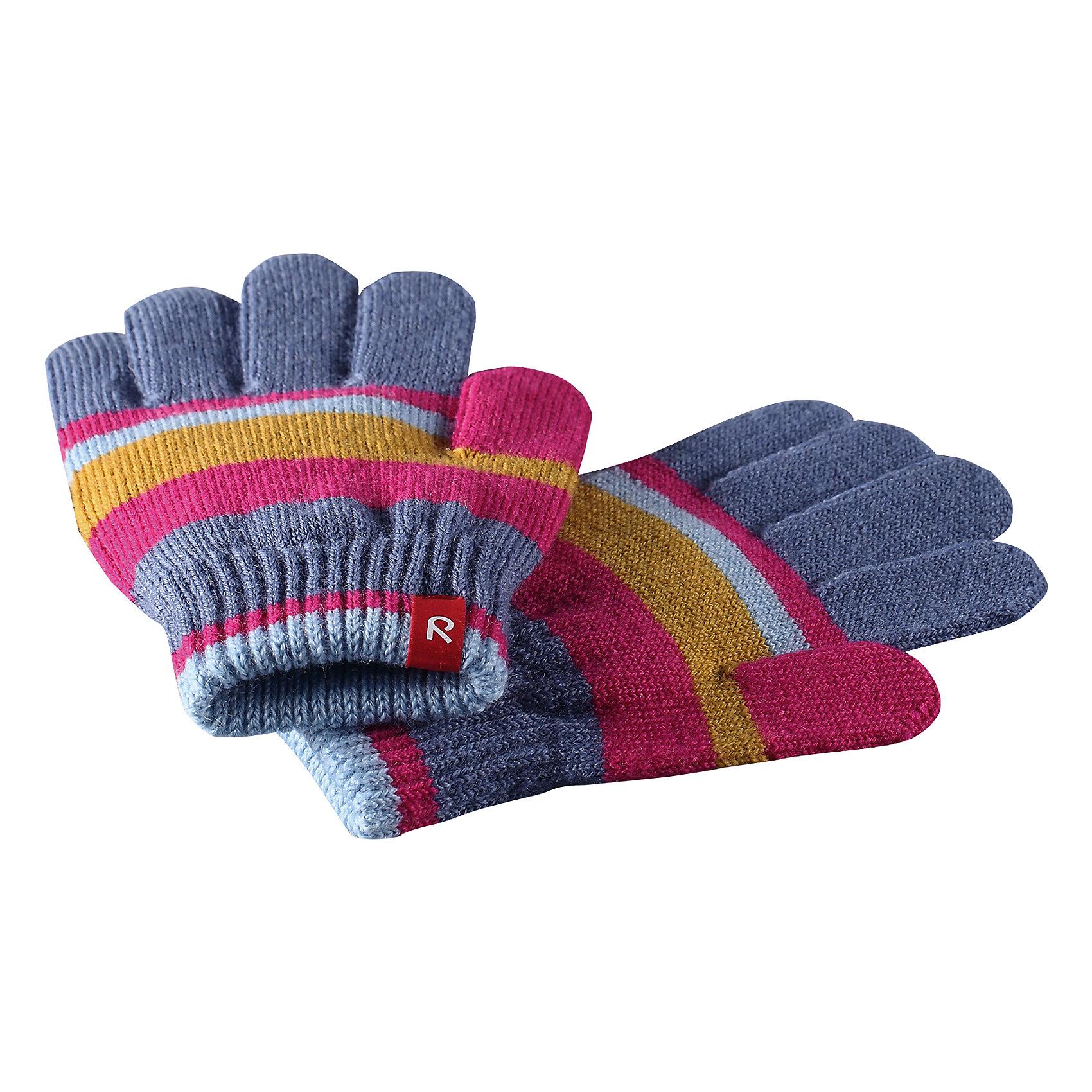 Перчатки Twig ReimaПерчатки, варежки<br>Эти перчатки для малышей и детей постарше выполнены из эластичной полушерсти, дарящей комфорт в прохладные дни ранней осенью. Они идеально подойдут для поддевания под водонепроницаемые варежки и перчатки. Изготовлены из трикотажа высокого качества и легко стираются в стиральной машине. Мы рекомендуем купить как минимум три пары: одну универсальную однотонную, одну разноцветную для смены образа, и запасную пару на случай, если какая-нибудь из первых двух потеряется.<br>Состав:<br>75% Шерсть, 22% Полиакрил, 2% Полиамид, 1% Эластан<br><br>Ширина мм: 162<br>Глубина мм: 171<br>Высота мм: 55<br>Вес г: 119<br>Цвет: розовый<br>Возраст от месяцев: 24<br>Возраст до месяцев: 48<br>Пол: Унисекс<br>Возраст: Детский<br>Размер: 3/4,7/8,5/6<br>SKU: 6902107
