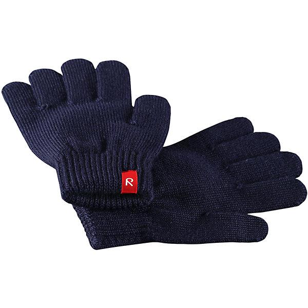 Перчатки Reima Twig для мальчикаПерчатки, варежки<br>Характеристики товара:<br><br>• цвет: темно-синий;<br>• состав: 75% шерсть, 22% полиакрил, 2% полиамид, 1% эластан;<br>• сезон: демисезон, зима;<br>• шерсть идеально поддерживает температуру;<br>• мягкая и теплая ткань из смеси шерсти;<br>• легкий стиль, без подкладки;<br>• страна бренда: Финляндия;<br>• страна изготовитель: Китай.<br><br>Перчатки выполнены из эластичной полушерсти, дарящей комфорт в прохладные дни ранней осенью. Они идеально подойдут для поддевания под водонепроницаемые варежки и перчатки. Изготовлены из трикотажа высокого качества и легко стираются в стиральной машине. <br><br>Перчатки Twig Reima от финского бренда Reima (Рейма) можно купить в нашем интернет-магазине.<br><br>Ширина мм: 162<br>Глубина мм: 171<br>Высота мм: 55<br>Вес г: 119<br>Цвет: синий<br>Возраст от месяцев: 24<br>Возраст до месяцев: 48<br>Пол: Мужской<br>Возраст: Детский<br>Размер: 3/4,7/8,5/6<br>SKU: 6902111