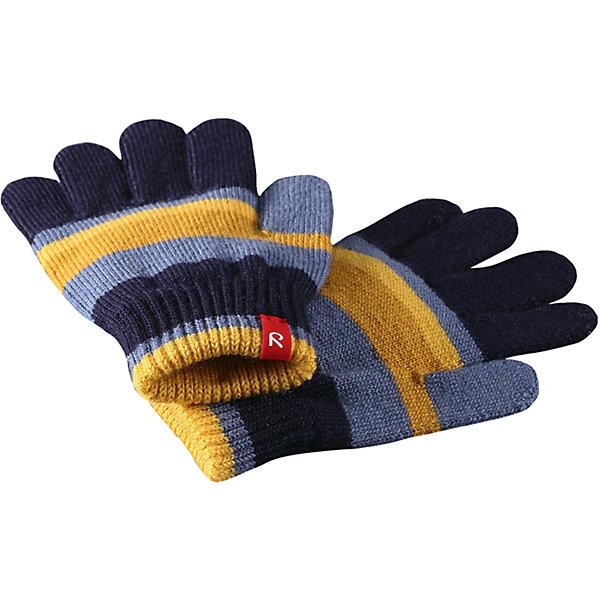 Перчатки Reima Twig для мальчикаПерчатки, варежки<br>Характеристики товара:<br><br>• цвет: синий;<br>• состав: 75% шерсть, 22% полиакрил, 2% полиамид, 1% эластан;<br>• сезон: демисезон, зима;<br>• шерсть идеально поддерживает температуру;<br>• мягкая и теплая ткань из смеси шерсти;<br>• легкий стиль, без подкладки;<br>• страна бренда: Финляндия;<br>• страна изготовитель: Китай.<br><br>Перчатки выполнены из эластичной полушерсти, дарящей комфорт в прохладные дни ранней осенью. Они идеально подойдут для поддевания под водонепроницаемые варежки и перчатки. Изготовлены из трикотажа высокого качества и легко стираются в стиральной машине. <br><br>Перчатки Twig Reima от финского бренда Reima (Рейма) можно купить в нашем интернет-магазине.<br><br>Ширина мм: 162<br>Глубина мм: 171<br>Высота мм: 55<br>Вес г: 119<br>Цвет: синий<br>Возраст от месяцев: 120<br>Возраст до месяцев: 144<br>Пол: Мужской<br>Возраст: Детский<br>Размер: 7/8,3/4,5/6<br>SKU: 6902115