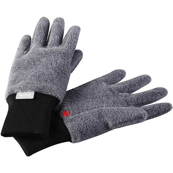 Флисовые перчатки Reima OskПерчатки, варежки<br>Характеристики товара:<br><br>• цвет: серый;<br>• состав: 100% полиэстер;<br>• сезон: зима;<br>• выводят влагу наружу;<br>• дышащий, теплый и быстросохнущий флис;<br>• кнопки, чтобы пристегивать перчатки друг у другу на время хранения;<br>• легкий стиль, без подкладки;<br>• эластичный кант на манжетах;<br>• страна бренда: Финляндия;<br>• страна изготовитель: Китай.<br><br>Мягкие и удобные детские перчатки из флиса. Теплый, дышащий и быстросохнущий флисовый материал отводит влагу в верхние слои. Облегченная модель без подкладки превосходно подойдет для поддевания под непромокаемые варежки в морозную погоду. Удобная резинка. Снабжены кнопкой и пристегиваются друг к другу для хранения.<br><br>Перчатки Osk Reima от финского бренда Reima (Рейма) можно купить в нашем интернет-магазине.<br><br>Ширина мм: 162<br>Глубина мм: 171<br>Высота мм: 55<br>Вес г: 119<br>Цвет: серый<br>Возраст от месяцев: 24<br>Возраст до месяцев: 48<br>Пол: Унисекс<br>Возраст: Детский<br>Размер: 3/4,7/8,5/6<br>SKU: 6902147