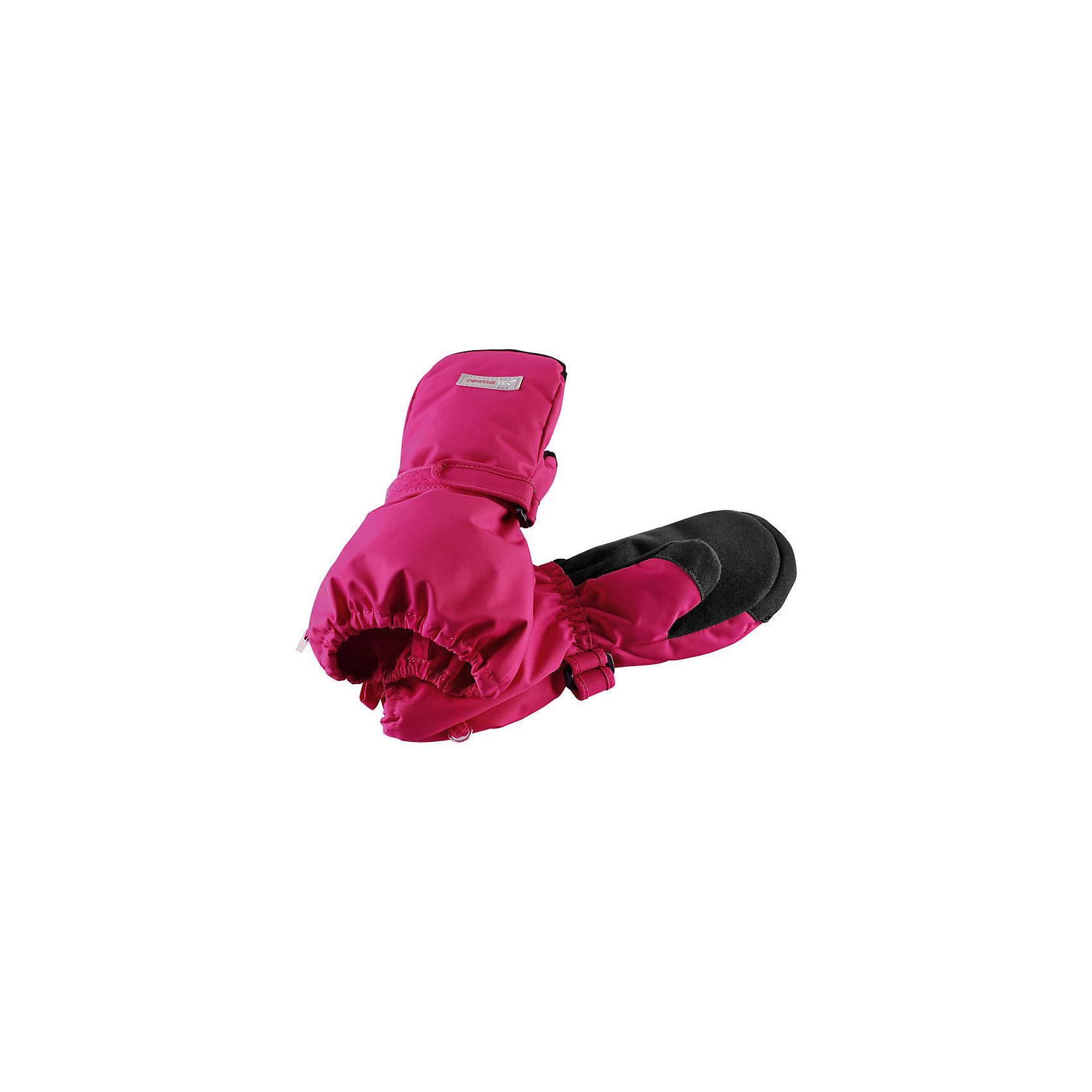 Варежки Reimatec® Reima OteПерчатки, варежки<br>Характеристики товара:<br><br>• цвет: розовый;<br>• состав: 100% полиэстер;<br>• подкладка: 100% полиэстер, флис;<br>• утеплитель: 170 г/м2;<br>• сезон: зима;<br>• температурный режим: от 0 до -20;<br>• водонепроницаемость: 10000/15000 мм;<br>• воздухопроницаемость: 7000 мм;<br>• износостойкость: 40000 циклов (тест Мартиндейла);<br>• полная водонепроницаемость и дышащая способность благодаря вставке Hipora;<br>• водоотталкивающий, ветронепроницаемый и грязеотталкивающий материал;<br>• прочный материал;<br>• водонепроницаемая вставка;<br>• усиленные накладки на ладонях и больших пальцах;<br>• сплошная подкладка: мягкий теплый флис;<br>• застежка на липучке спереди;<br>• утеплитель PrimaLoft®;<br>• светоотражающие детали;<br>• страна бренда: Финляндия;<br>• страна изготовитель: Китай.<br><br>Зимние варежки Reimatec®+ для малышей и детей постарше снабжены водонепроницаемой вставкой Hipora, а также усилениями на ладони, большом пальце и по верху варежки. Во время веселых зимних прогулок пальчикам будет тепло и сухо весь день. <br><br>Варежки подбиты невероятно легким, но при этом водонепроницаемым утеплителем PrimaLoft®! Благодаря высокотехнологичным материалам – утеплителю PrimaLoft® и ткани Reimatec® Duraplus – варежки хорошо пропускают воздух, обеспечивая максимальный комфорт в любых условиях.<br><br>Варежки Ote Reimatec® Reima от финского бренда Reima (Рейма) можно купить в нашем интернет-магазине.<br><br>Ширина мм: 162<br>Глубина мм: 171<br>Высота мм: 55<br>Вес г: 119<br>Цвет: розовый<br>Возраст от месяцев: 96<br>Возраст до месяцев: 120<br>Пол: Унисекс<br>Возраст: Детский<br>Размер: 6,2,3,4,5<br>SKU: 6902367