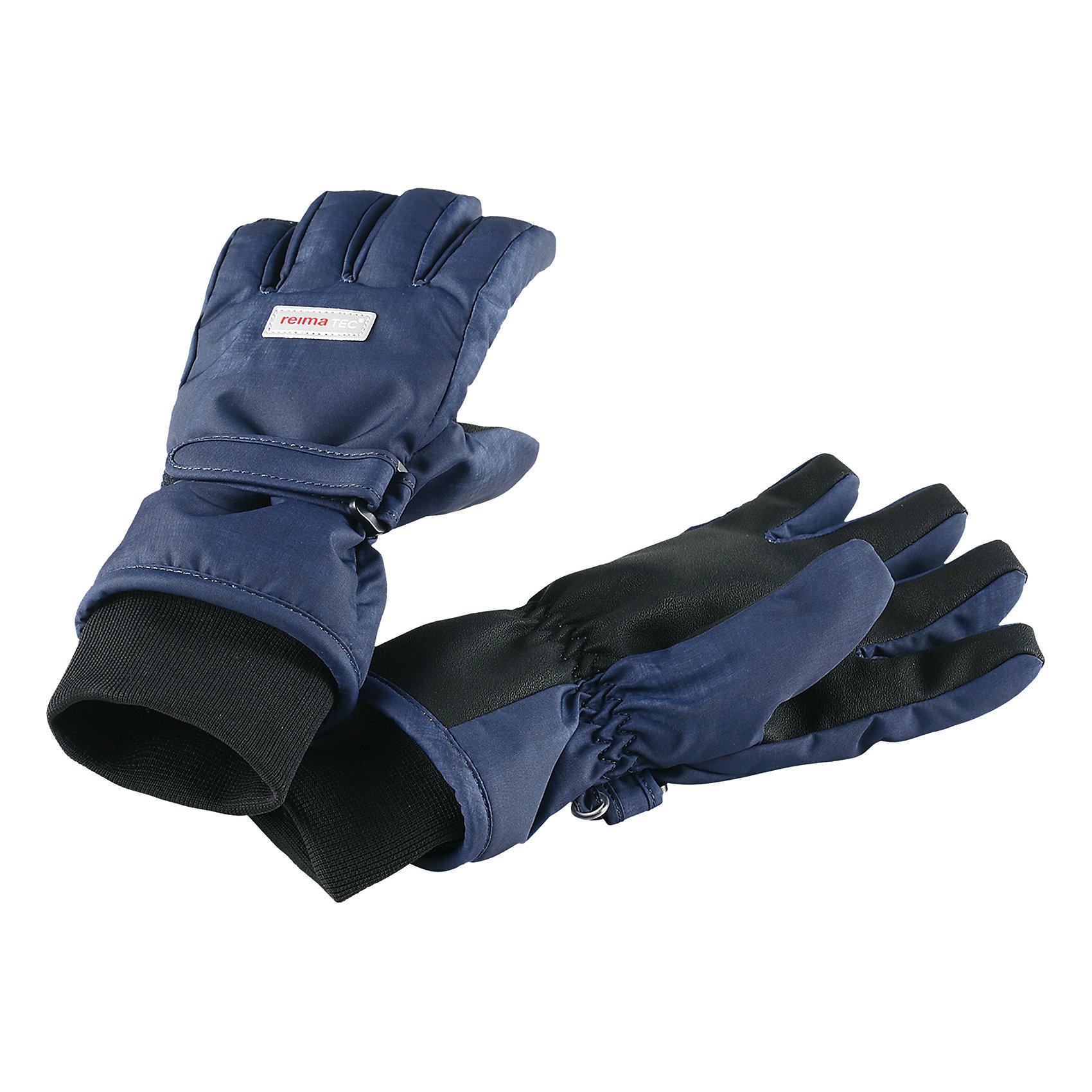 Перчатки Tartu Reimatec® ReimaПерчатки и варежки<br>Одно из наших лучших изделий – абсолютно водонепроницаемые, дышащие и эластичные детские зимние перчатки. Перчатки подбиты очень легким и невероятно согревающим утеплителем PrimaLoft®! Эти перчатки, сшитые из ветронепроницаемого и дышащего материала с водонепроницаемой мембраной Hipora, обеспечивают пальчикам тепло и сухость в любую погоду и в любых условиях! Теплая флисовая подкладка нежно касается кожи и создает ощущение уюта. <br><br>Усиления на ладони и пальцах гарантируют крепкий захват – играть в снежки стало еще веселее! Ну и конечно, светоотражающие детали – без них не обойтись. Эти простые в уходе перчатки сшиты из из водо- и грязеотталкивающего материала, но при этом их можно сушить в сушильной машине!<br>Состав:<br>100% Полиэстер<br><br>Ширина мм: 162<br>Глубина мм: 171<br>Высота мм: 55<br>Вес г: 119<br>Цвет: синий<br>Возраст от месяцев: 144<br>Возраст до месяцев: 168<br>Пол: Унисекс<br>Возраст: Детский<br>Размер: 8,3,4,5,6,7<br>SKU: 6902397