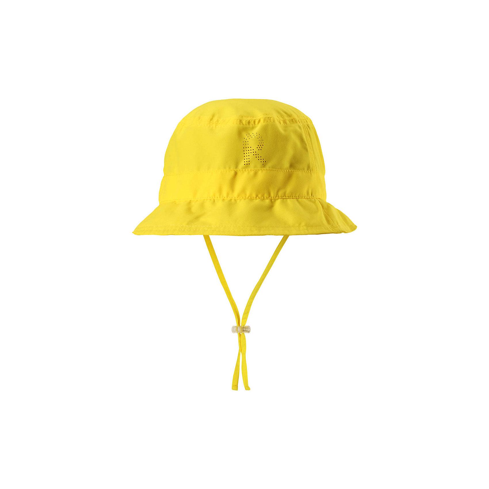 Панама Reima TropicalГоловные уборы<br>Характеристики товара:<br><br>• цвет: желтый;<br>• состав: 100% полиэстер;<br>• солнцезащитная панама;<br>• стильный защитный козырек;<br>• фактор защиты от ультрафиолета 50+;<br>• легкий стиль, без подкладки;<br>• страна бренда: Финляндия;<br>• страна изготовитель: Китай.<br><br>Классная защитная панама для малышей и детей постарше с фактором УФ-защиты 50+. Козырек панамы защищает лицо и глаза от вредного ультрафиолета. Изготовлена из дышащего и легкого материала SunProof. Облегченная модель без подкладки а чтобы ветер не унес эту новую очаровательную панаму, просто завяжите завязки!<br><br>Панаму Tropical Reima от финского бренда Reima (Рейма) можно купить в нашем интернет-магазине.<br><br>Ширина мм: 89<br>Глубина мм: 117<br>Высота мм: 44<br>Вес г: 155<br>Цвет: желтый<br>Возраст от месяцев: 72<br>Возраст до месяцев: 84<br>Пол: Унисекс<br>Возраст: Детский<br>Размер: 54,46,48,50,52<br>SKU: 6902447