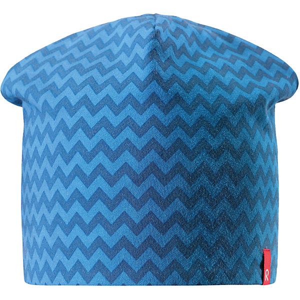 Шапка Reima HirviШапки и шарфы<br>Характеристики товара:<br><br>• цвет: голубой/синий;<br>• состав: 61% хлопок, 33% полиэстер, 6% эластан;<br>• сезон: демисезон;<br>• температурный режим: от +5 до +15С;<br>• двухсторонняя шапка;<br>• быстросохнущий материал Play jersey, приятный на ощупь;<br>• выводит влагу наружу;<br>• мягкий хлопчатобумажный материал;<br>• фактор защиты от ультрафиолета 40+;<br>• сплошная подкладка: материал Play jersey;<br>• логотип Reima® сбоку;<br>• страна бренда: Финляндия;<br>• страна изготовитель: Китай.<br><br>Легкая двусторонняя шапка для малышей и детей постарше свежей расцветки с УФ-защитой 40+. Шапка изготовлена из дышащего и быстросохнущего материла Play Jersey®, эффективно выводящего влагу с кожи. Озорная двухсторонняя шапка меняет цвет в одно мгновение.<br><br>Шапку Hirvi Reima от финского бренда Reima (Рейма) можно купить в нашем интернет-магазине.<br>Ширина мм: 89; Глубина мм: 117; Высота мм: 44; Вес г: 155; Цвет: синий; Возраст от месяцев: 36; Возраст до месяцев: 48; Пол: Унисекс; Возраст: Детский; Размер: 50-52,54-56; SKU: 6902483;