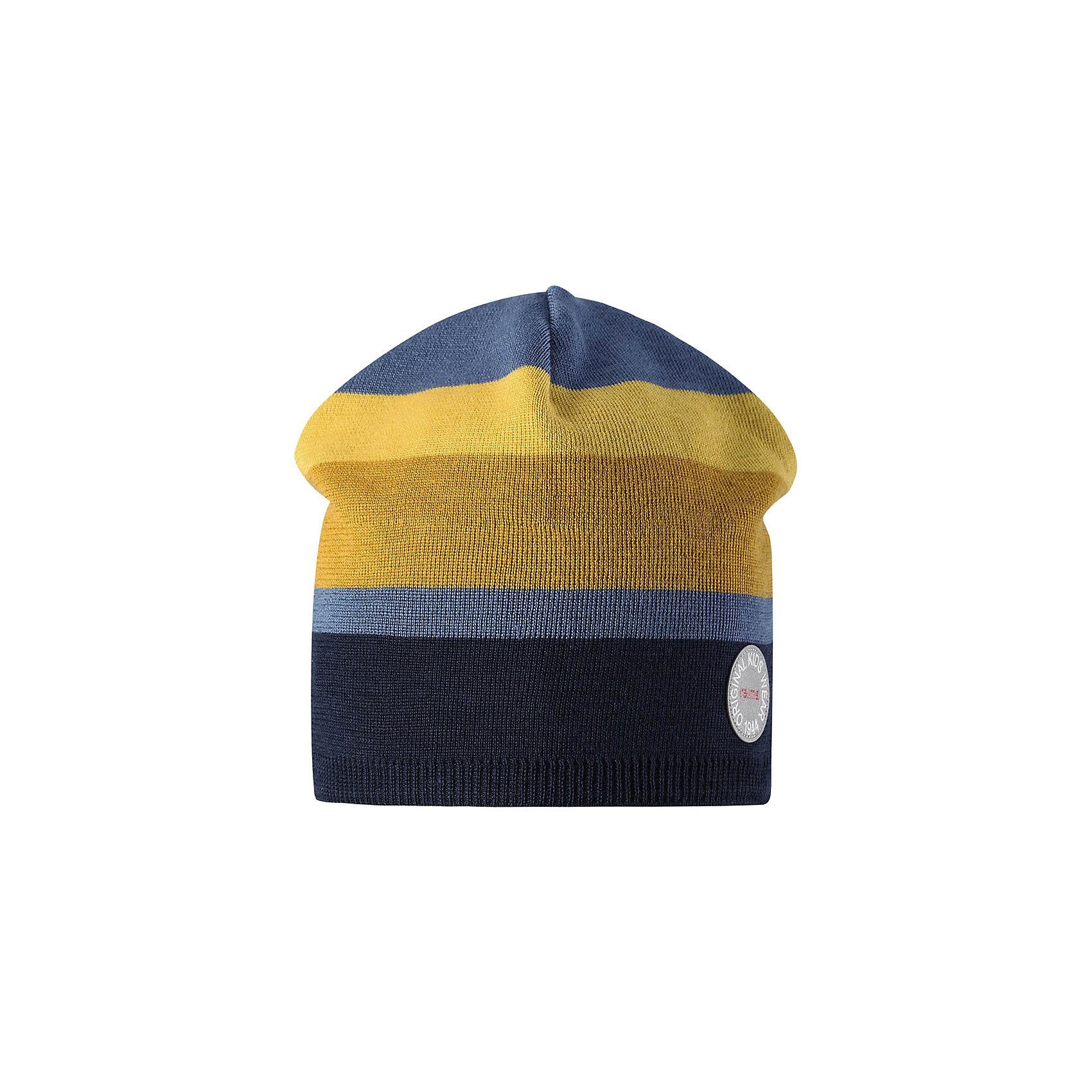 Шапка Reima NebulaГоловные уборы<br>Характеристики товара:<br><br>• цвет: синий/желтый;<br>• состав: 50% шерсть, 50% полиакрил;<br>• сезон: зима;<br>• температурный режим: от +5 до -10С;<br>• шерсть идеально поддерживает температуру;<br>• мягкая и теплая ткань из смеси шерсти;<br>• ветронепроницаемые вставки в области ушей;<br>• частичная подкладка;<br>• логотип Reima® спереди;<br>• страна бренда: Финляндия;<br>• страна изготовитель: Китай.<br><br>Детская шапка из теплого шерстяного трикотажа. Материал превосходно регулирует температуру и хорошо согревает голову. Ветронепроницаемые вставки и полуподкладка из мягкого и дышащего вязаного хлопка. Сплошная жаккардовая узорная вязка. Теплый, удобный, эластичный материал.<br><br>Шапку Nebula Reima от финского бренда Reima (Рейма) можно купить в нашем интернет-магазине.<br><br>Ширина мм: 89<br>Глубина мм: 117<br>Высота мм: 44<br>Вес г: 155<br>Цвет: синий<br>Возраст от месяцев: 84<br>Возраст до месяцев: 144<br>Пол: Унисекс<br>Возраст: Детский<br>Размер: 56,50,52,54<br>SKU: 6902510