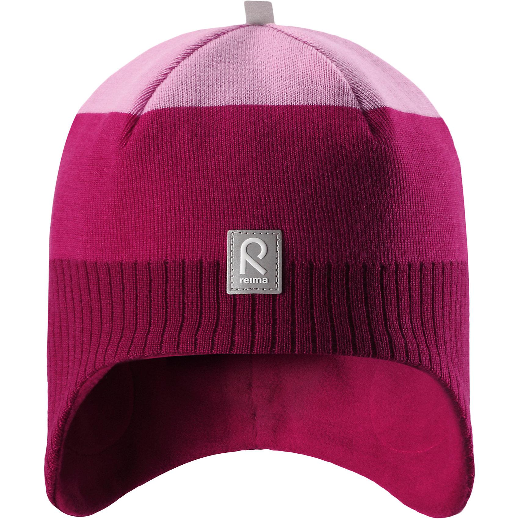 Шапка Reima LumulaГоловные уборы<br>Характеристики товара:<br><br>• цвет: розовый;<br>• состав: 100% шерсть;<br>• подкладка: 100% полиэстер, флис;<br>• без дополнительного утепления;<br>• сезон: зима;<br>• температурный режим: от 0 до -20С;<br>• мягкая ткань из мериносовой шерсти для поддержания идеальной температуры тела;<br>• ветронепроницаемые вставки в области ушей;<br>• сплошная подкладка: мягкий теплый флис;<br>• логотип Reima® спереди;<br>• страна бренда: Финляндия;<br>• страна изготовитель: Китай.<br><br>Детская шерстяная шапка хорошо защищает уши. Эта удобная модель хорошо закрывает уши ребенка и защищает лоб даже без завязок. Стильная шапка из 100% шерсти подшита удобной теплой флисовой подкладкой из полиэстера. Материал быстро сохнет и обладает влагоотводящими свойствами. Ветронепроницаемые вставки между верхним слоем и подкладкой обеспечивают ушкам дополнительную защиту от ветра.<br><br>Шапку Lumula Reima от финского бренда Reima (Рейма) можно купить в нашем интернет-магазине.<br><br>Ширина мм: 89<br>Глубина мм: 117<br>Высота мм: 44<br>Вес г: 155<br>Цвет: розовый<br>Возраст от месяцев: 84<br>Возраст до месяцев: 144<br>Пол: Унисекс<br>Возраст: Детский<br>Размер: 56,50,52,54<br>SKU: 6902558