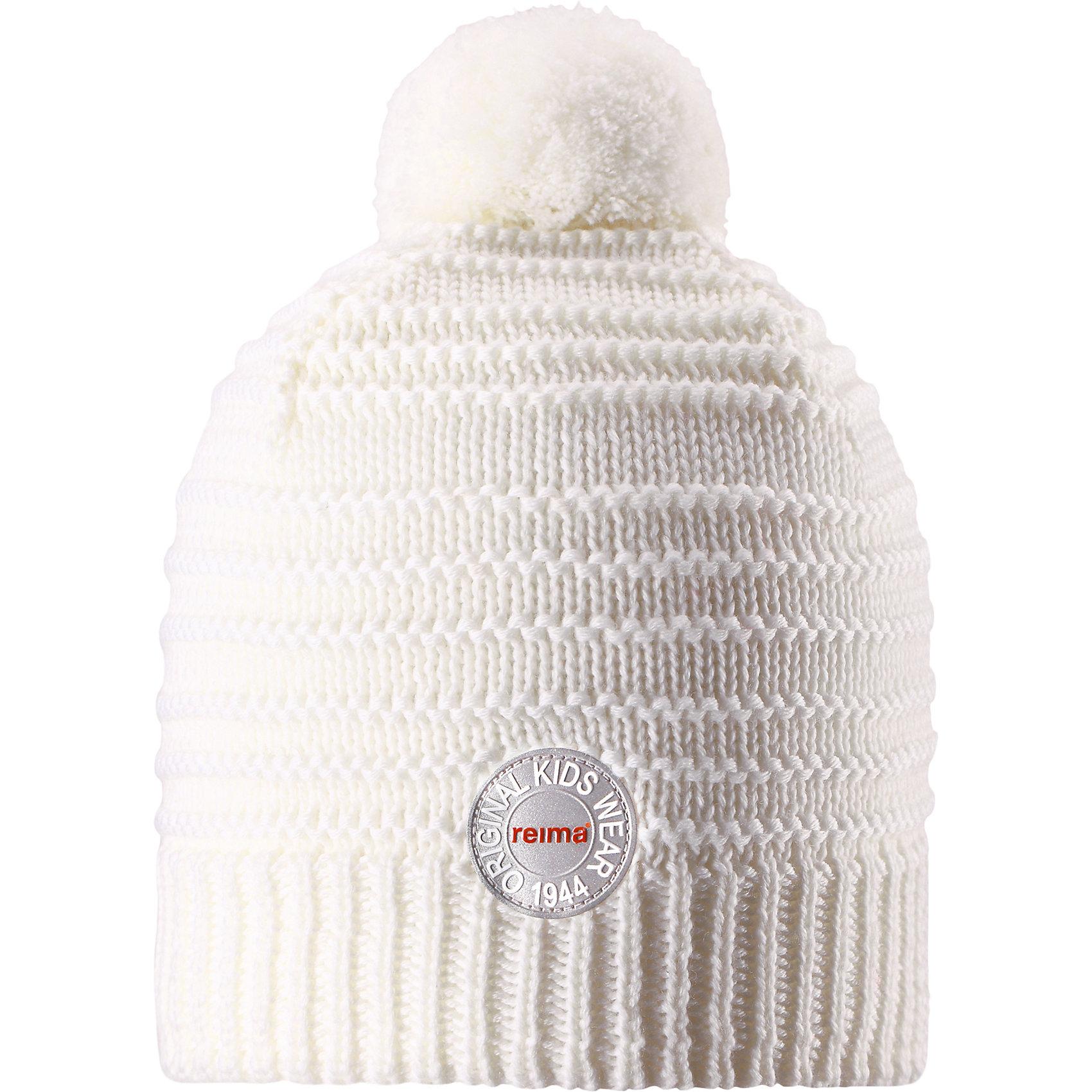 Шапка Reima HurmosГоловные уборы<br>Характеристики товара:<br><br>• цвет: белый;<br>• состав: 100% шерсть;<br>• подкладка: 97% хлопок, 3% эластан;<br>• утеплитель: 40 г/м2;<br>• сезон: зима;<br>• температурный режим: от 0 до -20С;<br>• мягкая ткань из мериносовой шерсти для поддержания идеальной температуры тела;<br>• ветронепроницаемые вставки в области ушей;<br>• сплошная подкладка: мягкий теплый флис;<br>• шапка с помпоном;<br>• логотип Reima® сзади;<br>• страна бренда: Финляндия;<br>• страна изготовитель: Китай.<br><br>Шапка для малышей и детей постарше изготовлена из дышащей и теплой мериносовой шерсти. Мягкая флисовая подкладка гарантирует тепло, а ветронепроницаемые вставки между верхним слоем и подкладкой защищают уши. Помпон на макушке.<br><br>Шапку Hurmos Reima от финского бренда Reima (Рейма) можно купить в нашем интернет-магазине.<br><br>Ширина мм: 89<br>Глубина мм: 117<br>Высота мм: 44<br>Вес г: 155<br>Цвет: белый<br>Возраст от месяцев: 84<br>Возраст до месяцев: 144<br>Пол: Унисекс<br>Возраст: Детский<br>Размер: 56,50,52,54<br>SKU: 6902671