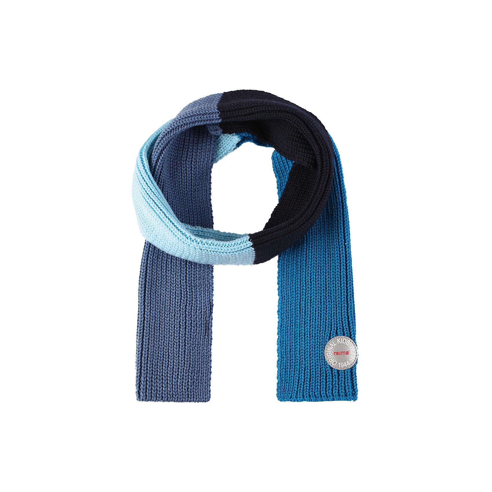 Шарф Reima KesyШарфы, платки<br>Характеристики товара:<br><br>• цвет: синий;<br>• состав: 100% шерсть;<br>• сезон: зима;<br>• температурный режим: от 0 до -20С;<br>• мягкая ткань из мериносовой шерсти для поддержания идеальной температуры тела;<br>• светоотражающий логотип Reima®;<br>• страна бренда: Финляндия;<br>• страна изготовитель: Китай.<br><br>Детский зимний шарф изготовлен из мягкой и теплой мериносовой шерсти. Эластичный и дышащий материал обеспечивает хорошую терморегуляцию. Снабжен светоотражающей эмблемой Reima.<br><br>Шарф Kesy Reima от финского бренда Reima (Рейма) можно купить в нашем интернет-магазине.<br><br>Ширина мм: 88<br>Глубина мм: 155<br>Высота мм: 26<br>Вес г: 106<br>Цвет: синий<br>Возраст от месяцев: 48<br>Возраст до месяцев: 168<br>Пол: Унисекс<br>Возраст: Детский<br>Размер: one size<br>SKU: 6902703