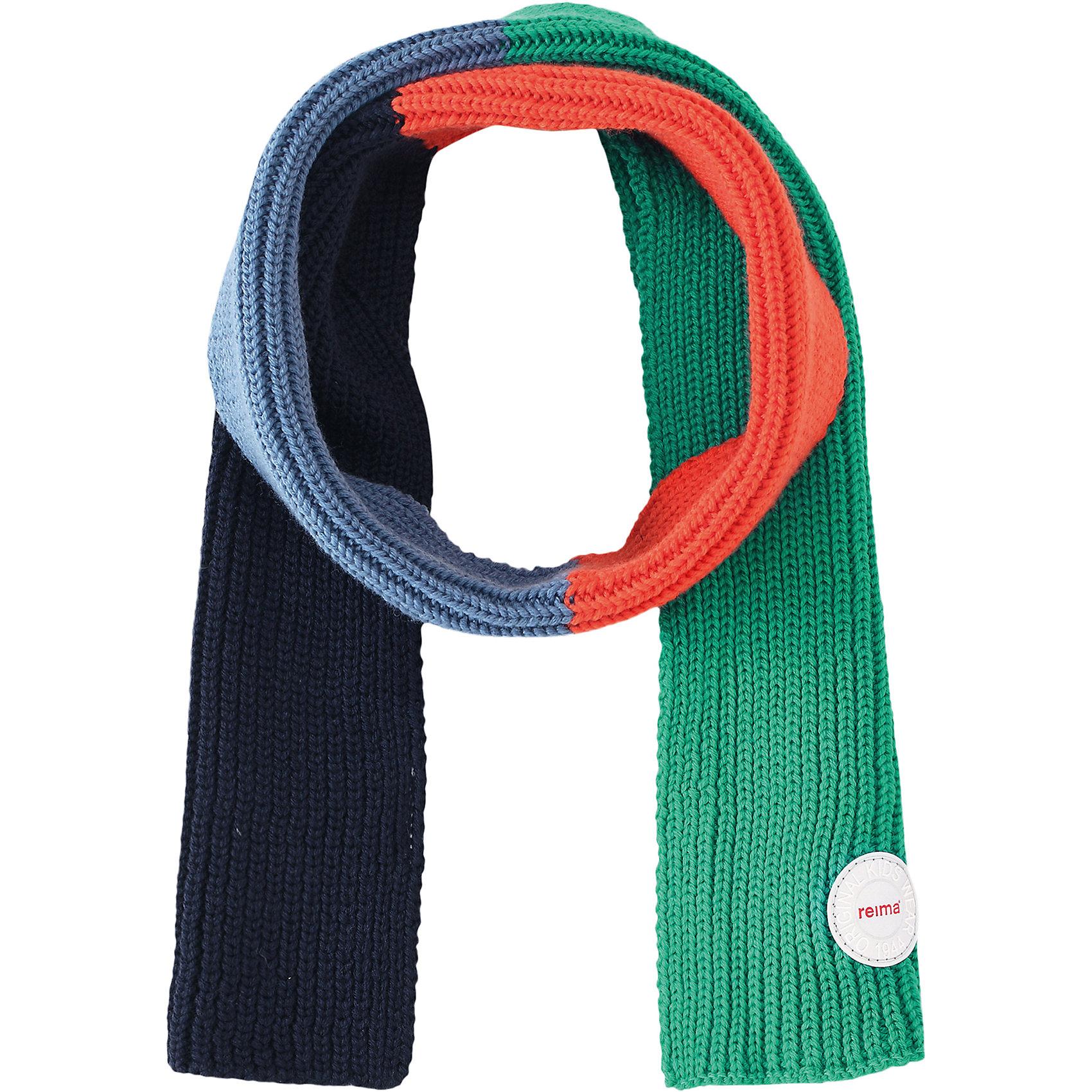 Шарф Reima KesyШарфы, платки<br>Характеристики товара:<br><br>• цвет: зеленый/синий;<br>• состав: 100% шерсть;<br>• сезон: зима;<br>• температурный режим: от 0 до -20С;<br>• мягкая ткань из мериносовой шерсти для поддержания идеальной температуры тела;<br>• светоотражающий логотип Reima®;<br>• страна бренда: Финляндия;<br>• страна изготовитель: Китай.<br><br>Детский зимний шарф изготовлен из мягкой и теплой мериносовой шерсти. Эластичный и дышащий материал обеспечивает хорошую терморегуляцию. Снабжен светоотражающей эмблемой Reima.<br><br>Шарф Kesy Reima от финского бренда Reima (Рейма) можно купить в нашем интернет-магазине.<br><br>Ширина мм: 88<br>Глубина мм: 155<br>Высота мм: 26<br>Вес г: 106<br>Цвет: синий<br>Возраст от месяцев: 48<br>Возраст до месяцев: 168<br>Пол: Унисекс<br>Возраст: Детский<br>Размер: one size<br>SKU: 6902705