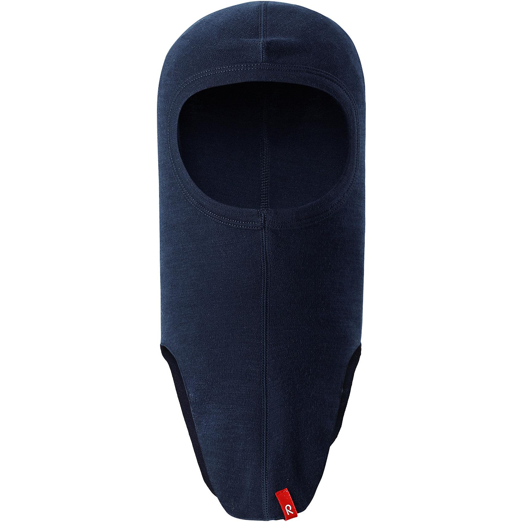 Шапка-шлем Reima AuroraГоловные уборы<br>Характеристики товара:<br><br>• цвет: темно-синяя;<br>• состав: 80% шерсть, 20% полиамид;<br>• сезон: демисезон;<br>• особенности: шерстяная;<br>• шапка-шлем базового слоя;<br>• шерсть идеально поддерживает температуру;<br>• легкий стиль, без подкладки;<br>• логотип Reima® сбоку;<br>• страна бренда: Финляндия;<br>• страна производства: Китай.<br><br>Шерстяная шапка-шлем для подростков отлично регулирует температуру. Эта удобная шапка-шлем хорошо защищает лоб, щеки и шею. Она сшита из мягкого и теплого полушерстяного трикотажа. <br><br>Облегченная модель без подкладки очень практична: ее можно надевать под шапку или шлем для дополнительной защиты или утепления. Ее также можно поднять, чтобы закрыть лицо.<br><br>Шапку-шлем Aurora Reima можно купить в нашем интернет-магазине.<br><br>Ширина мм: 89<br>Глубина мм: 117<br>Высота мм: 44<br>Вес г: 155<br>Цвет: синий<br>Возраст от месяцев: 36<br>Возраст до месяцев: 48<br>Пол: Унисекс<br>Возраст: Детский<br>Размер: 50-52,54-56,46-48<br>SKU: 6902717
